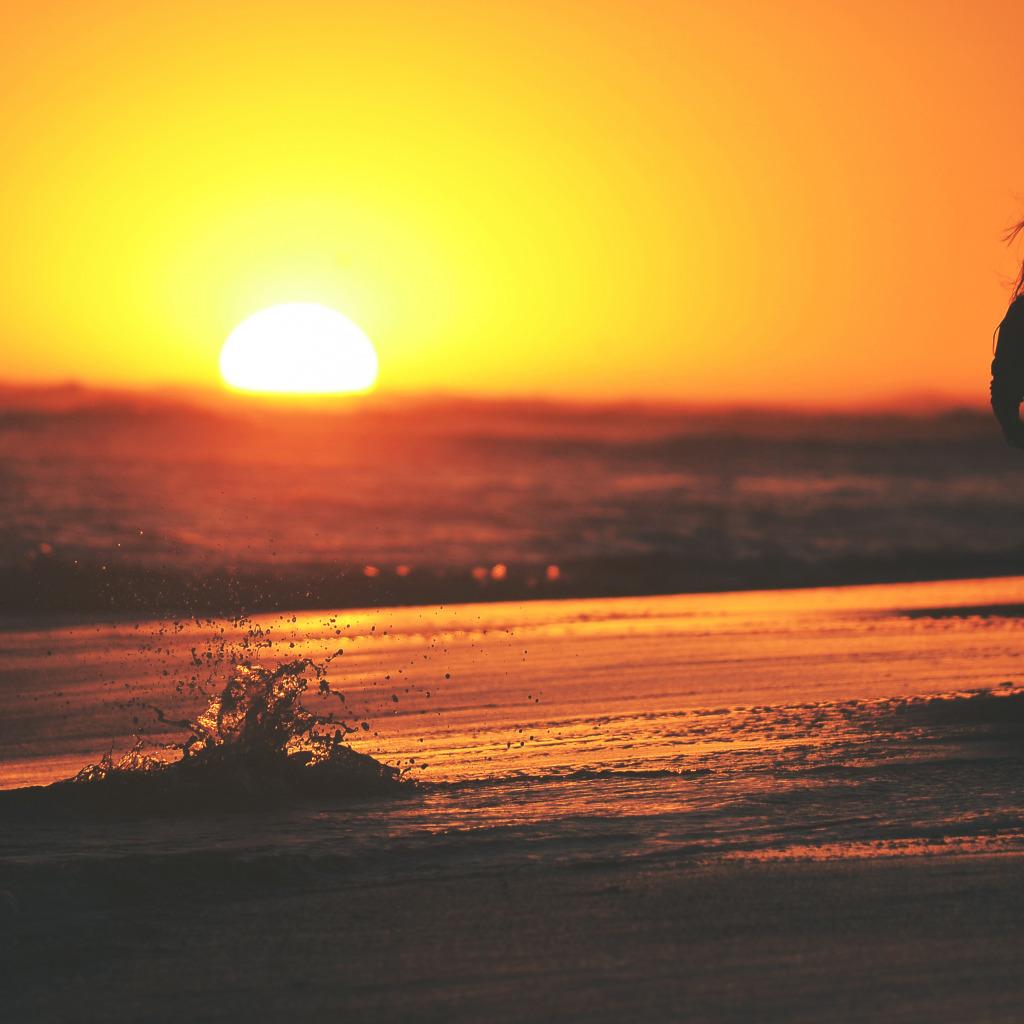 Фото девушка закат