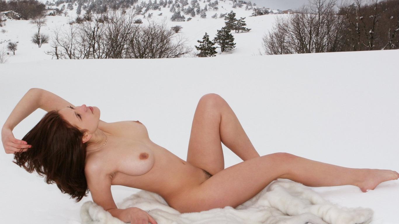 голые девушки зимой на морозе смотреть фото в hd качестве