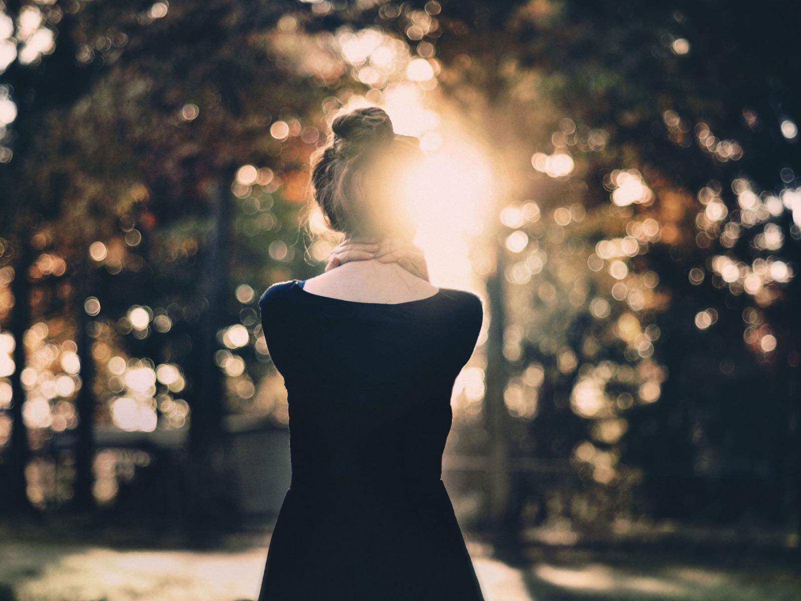 Картинки красивые девушки спиной