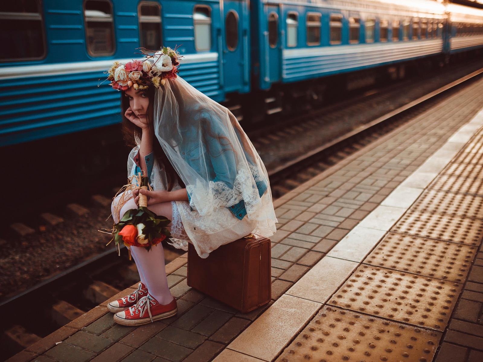 картинки навстречу поезду татарника