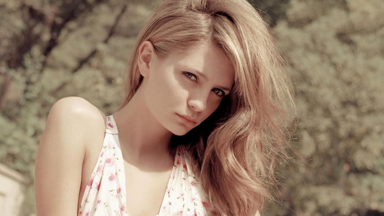 Gorgeous girl pics hot naked