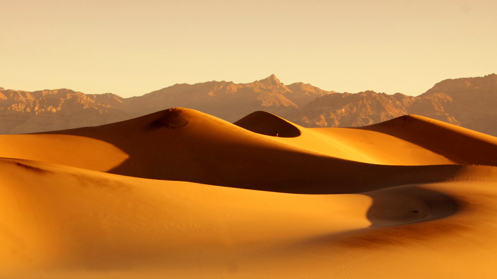 песчаные горы в пустыне  № 3606007  скачать