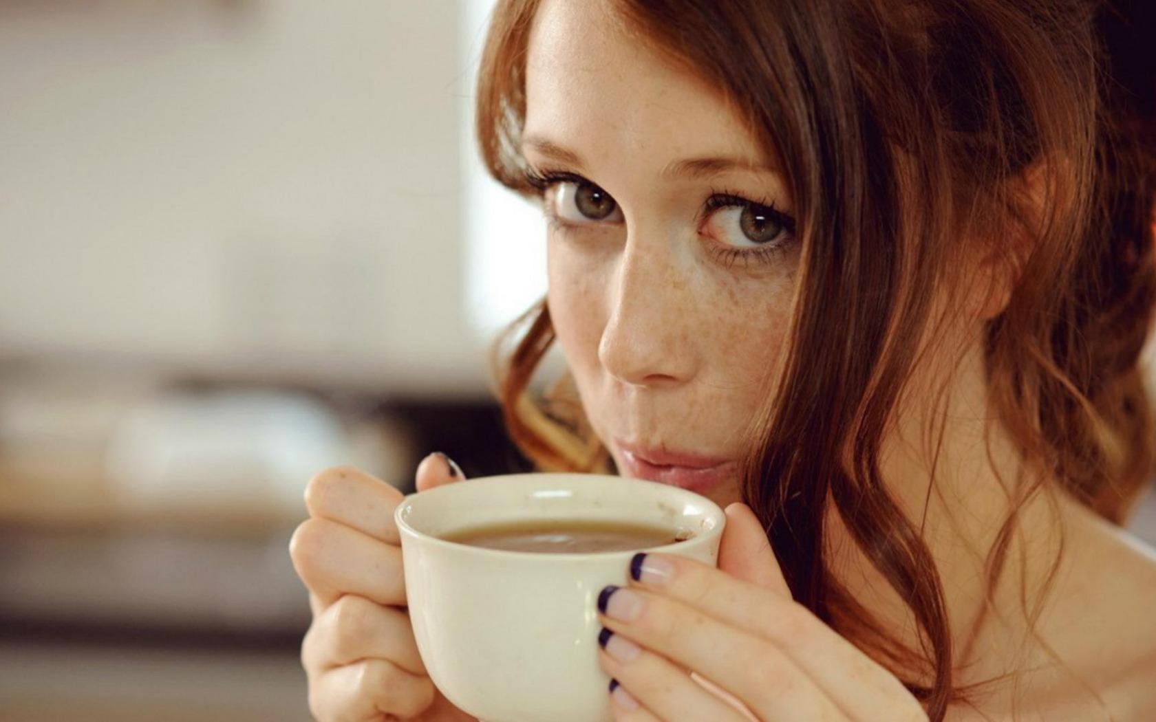 Спас, картинки девушка с чашкой кофе