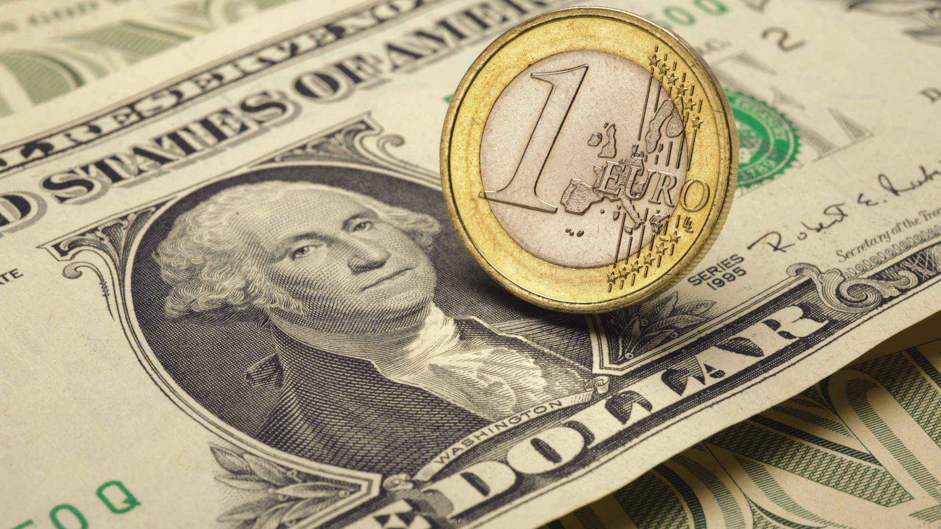 The strong dollar: will israeli consumers pay for it?