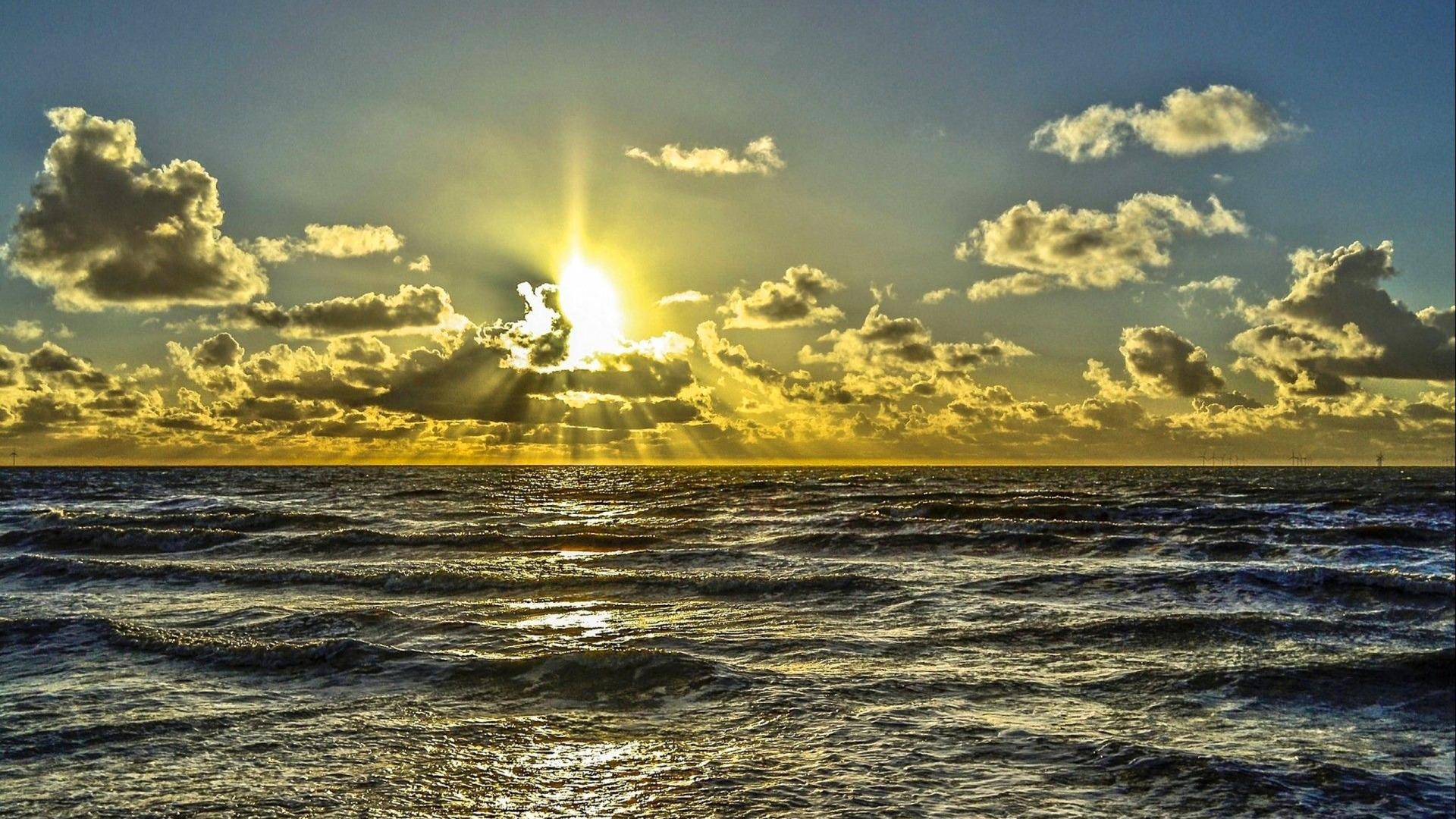 золотистый закат над морем  № 184508  скачать