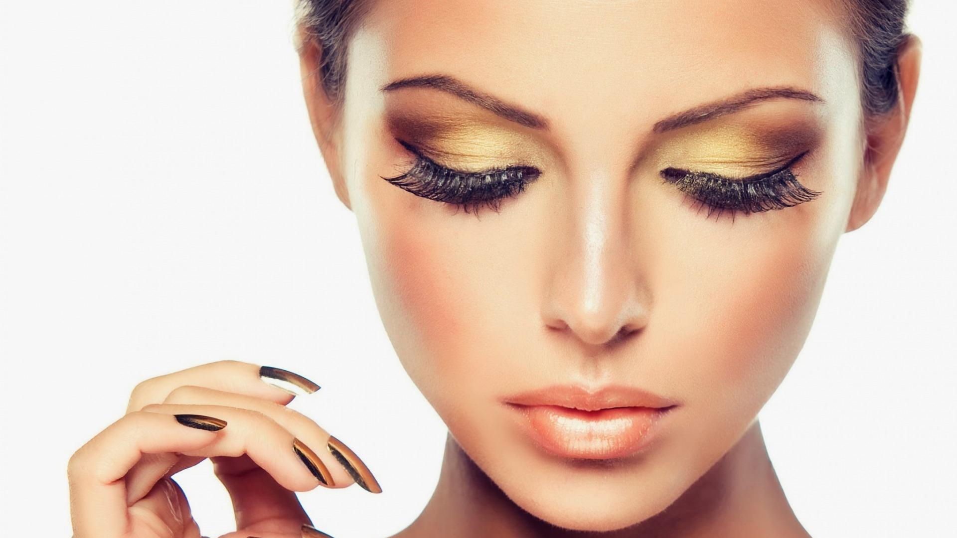 Загрузить сделать макияж