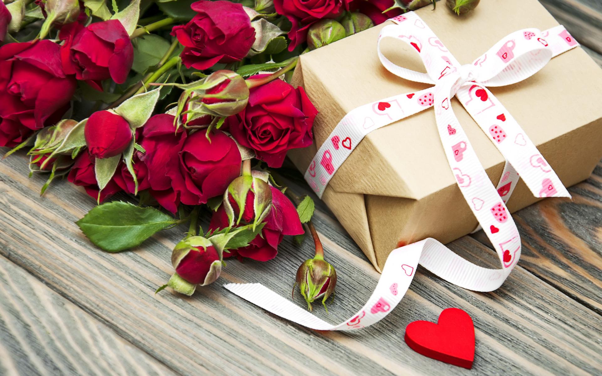 листьях картинки с днем рождения с подарком и букетом же, первую очередь
