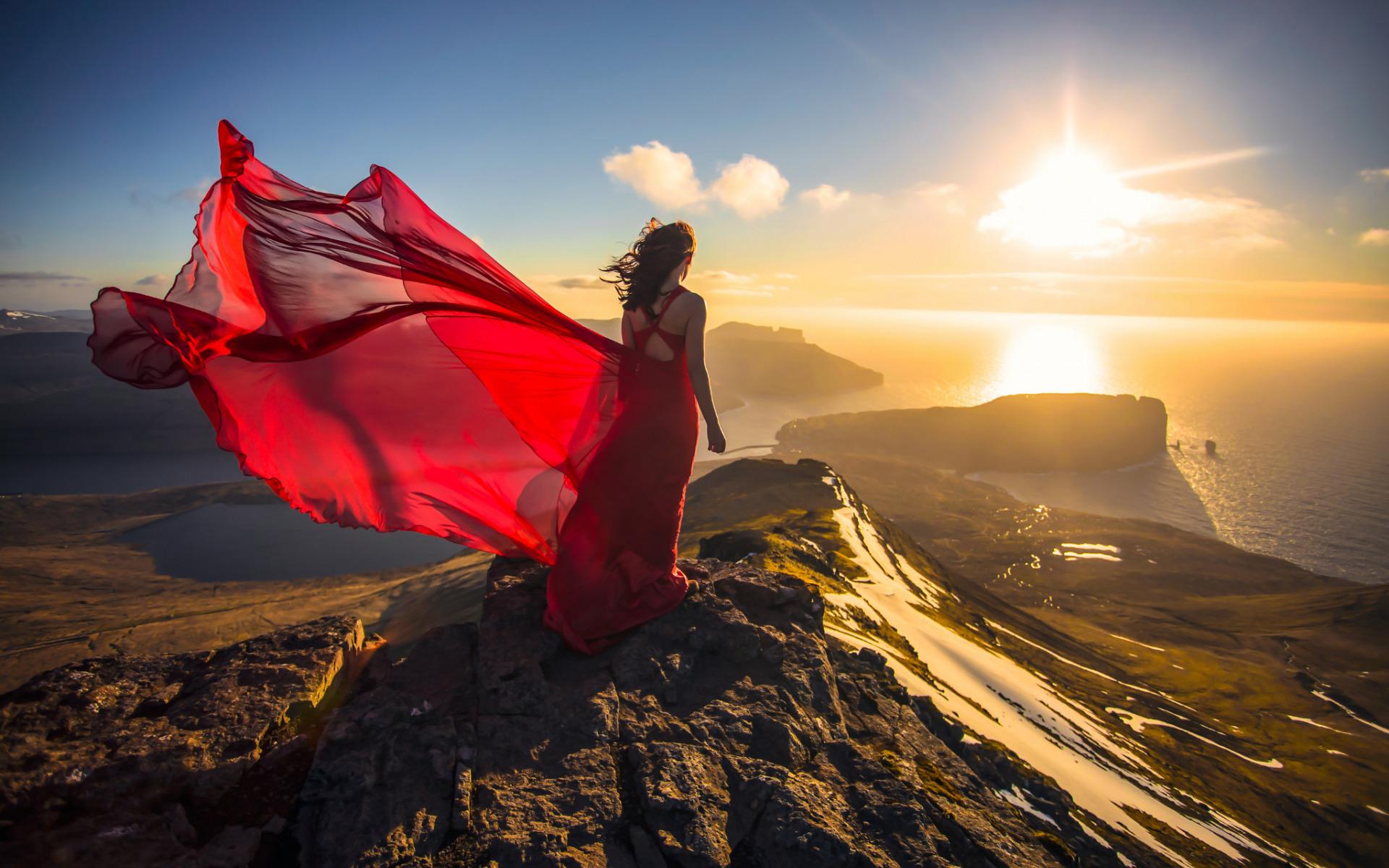 Девушки в платьях на ветру фото, фото темного между ног
