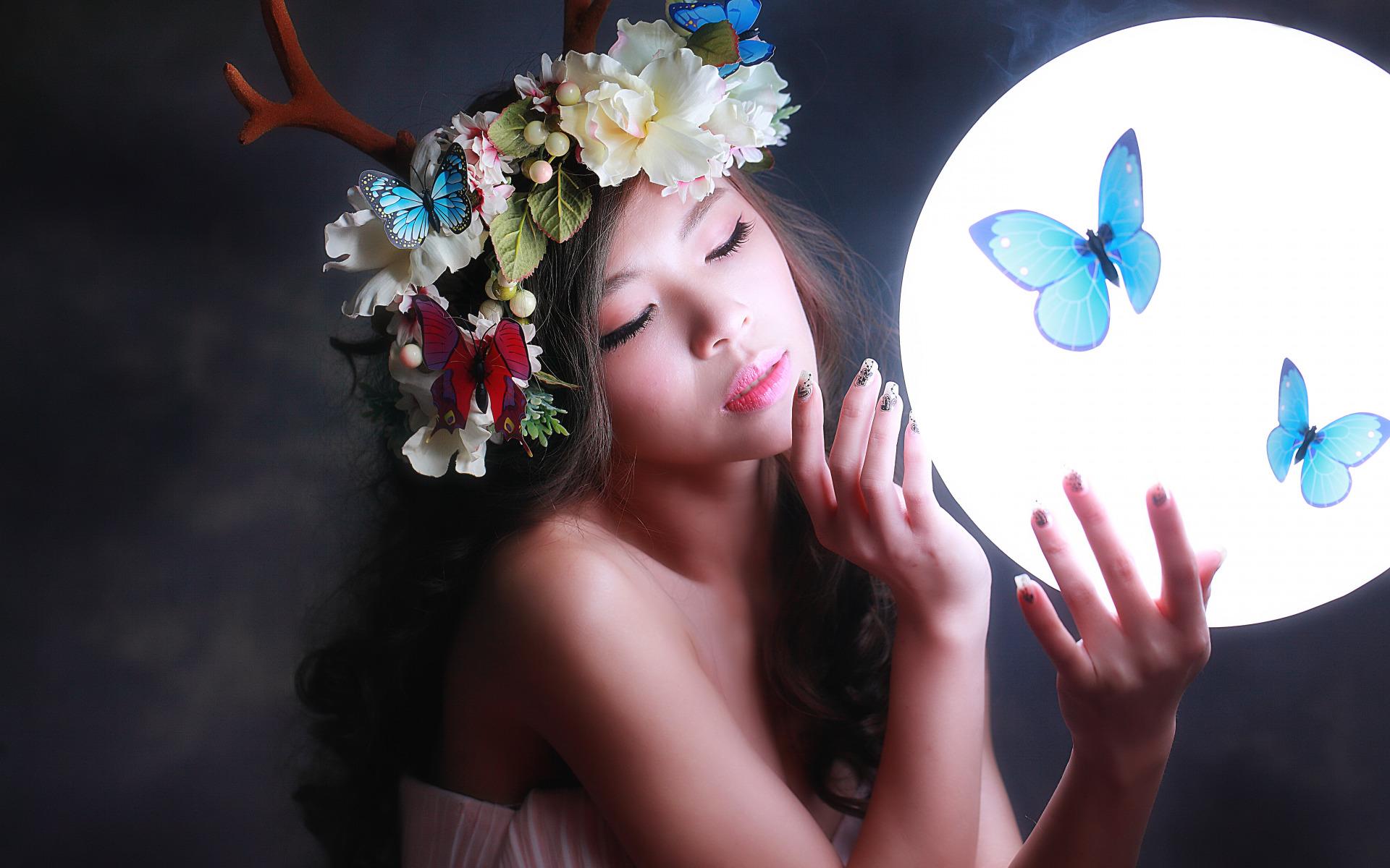 Стене, картинки девушки цветы бабочки