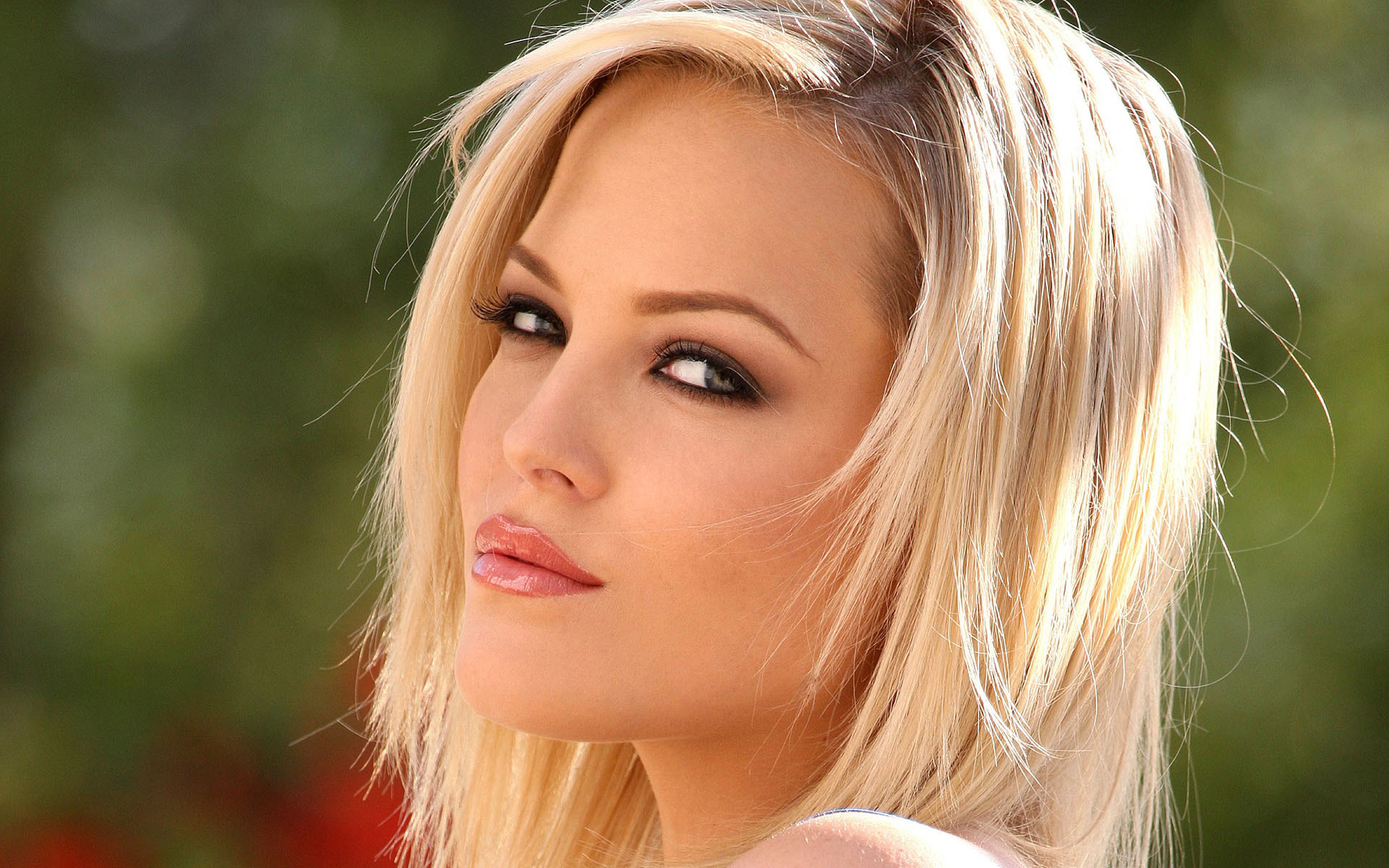 фото блондинок порноактрис реже она нам