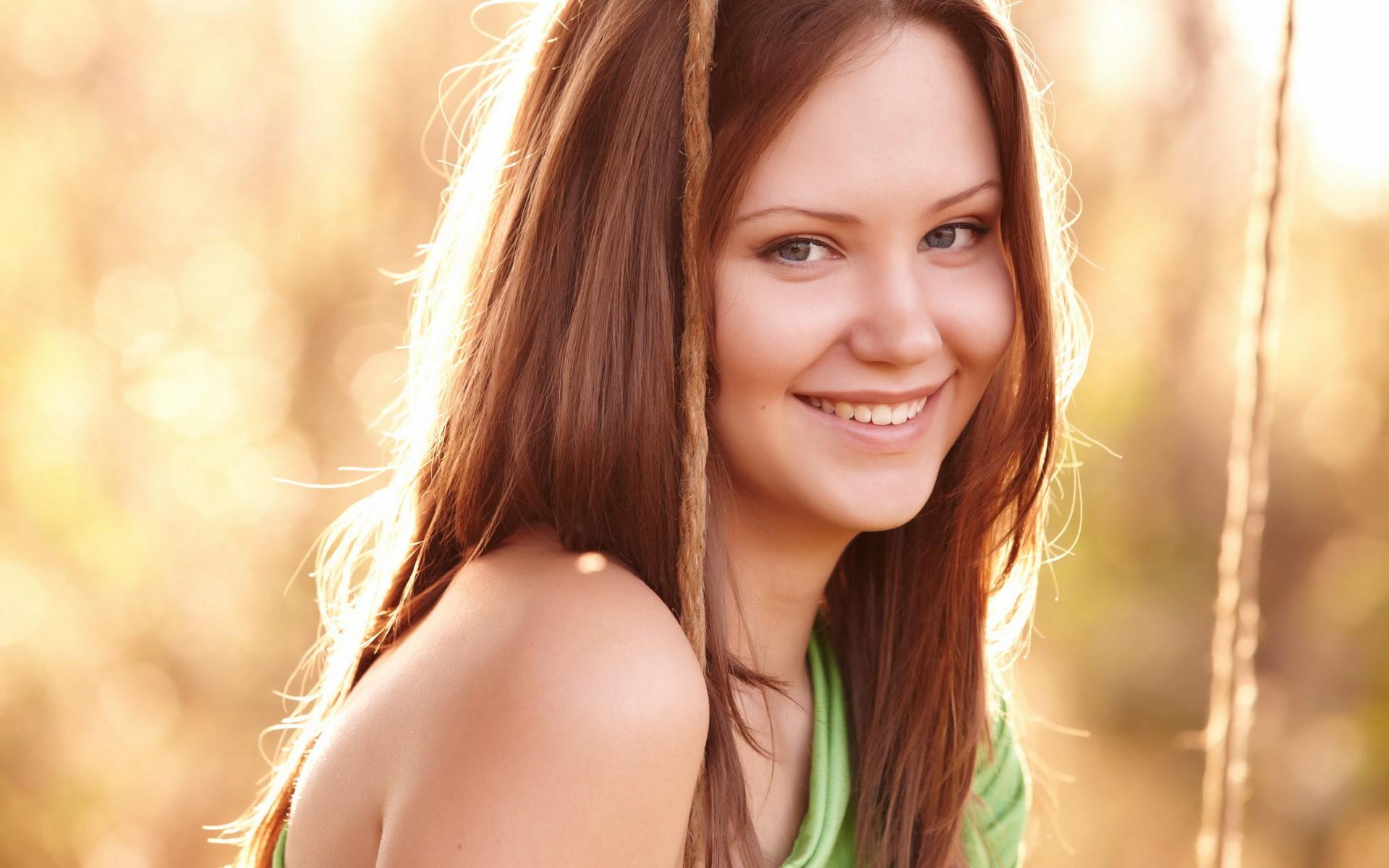 Счастливая девушка картинки без макияжа