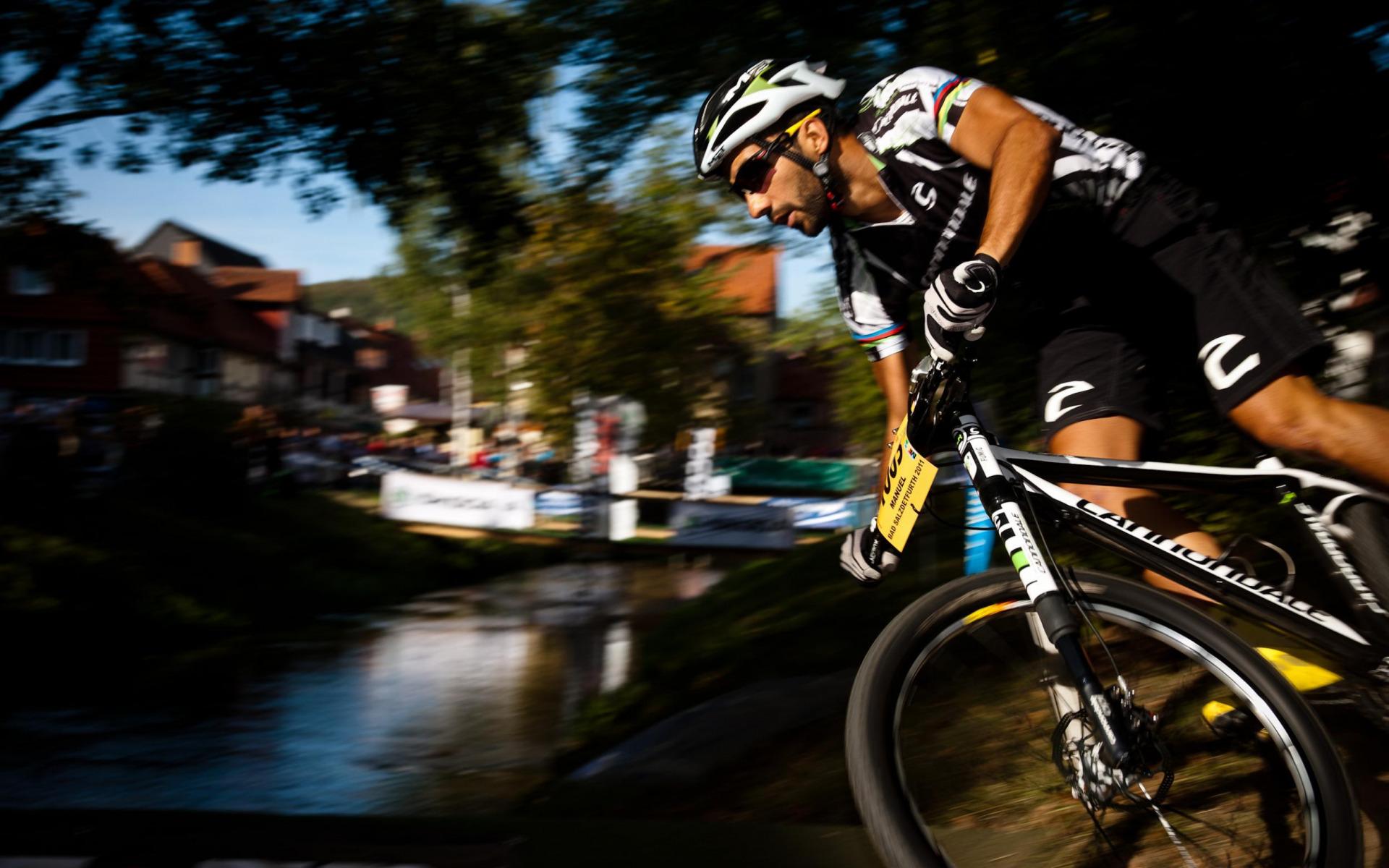 спорт велосипед споротсмен мужчина  № 1633625 без смс