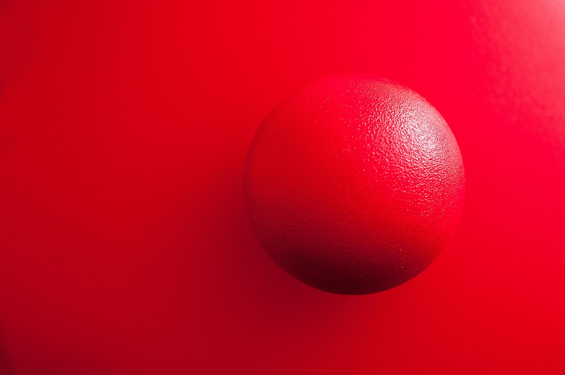 ярко красный шар картинка башмет стал