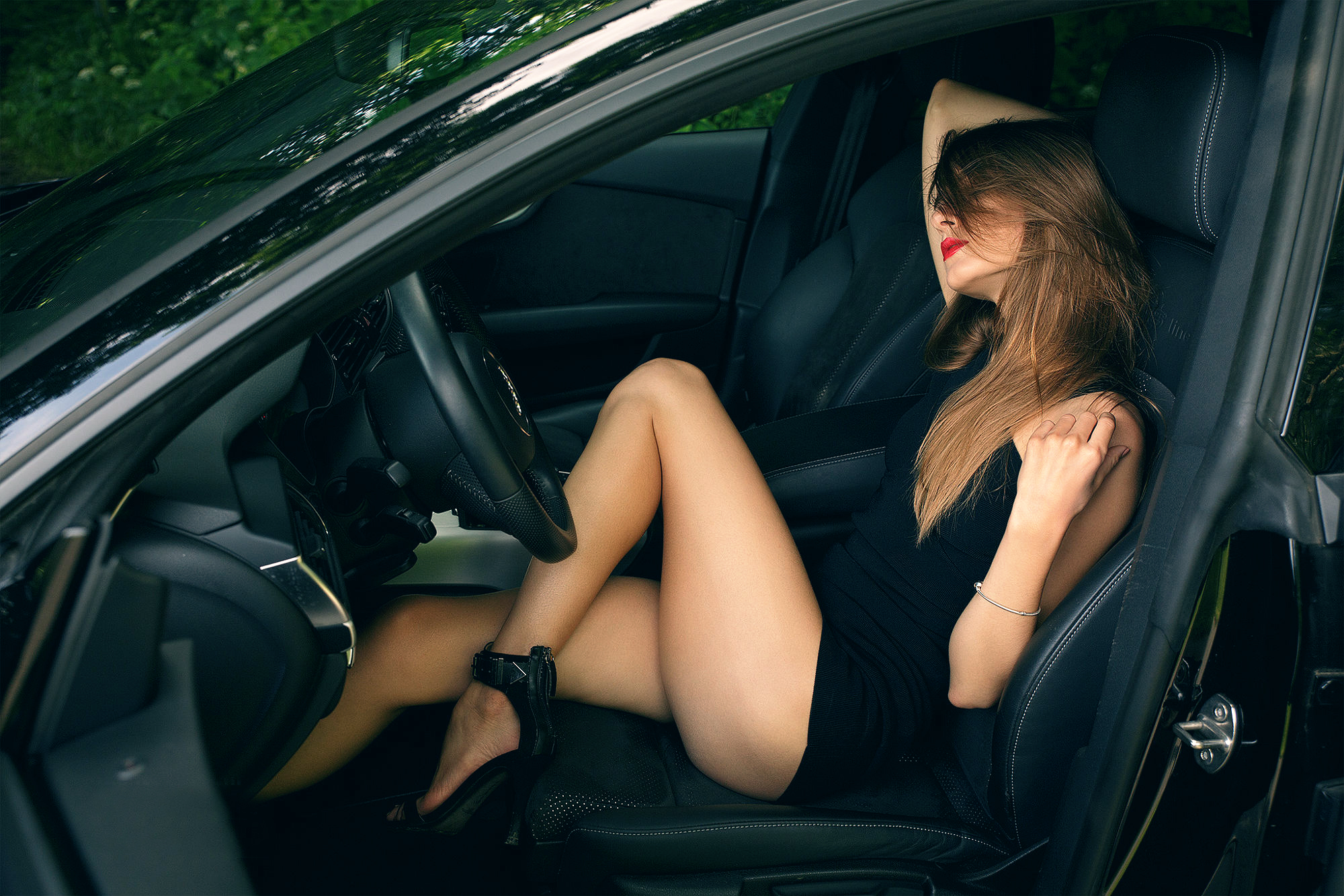 cuckold-girl-loses-shirt-in-car-cute-girl-with
