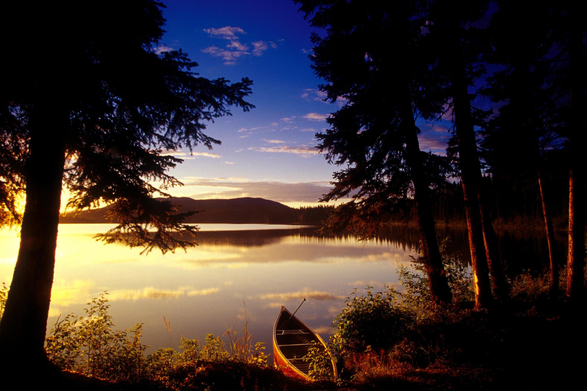 озеро в лесу на закате  № 380184  скачать