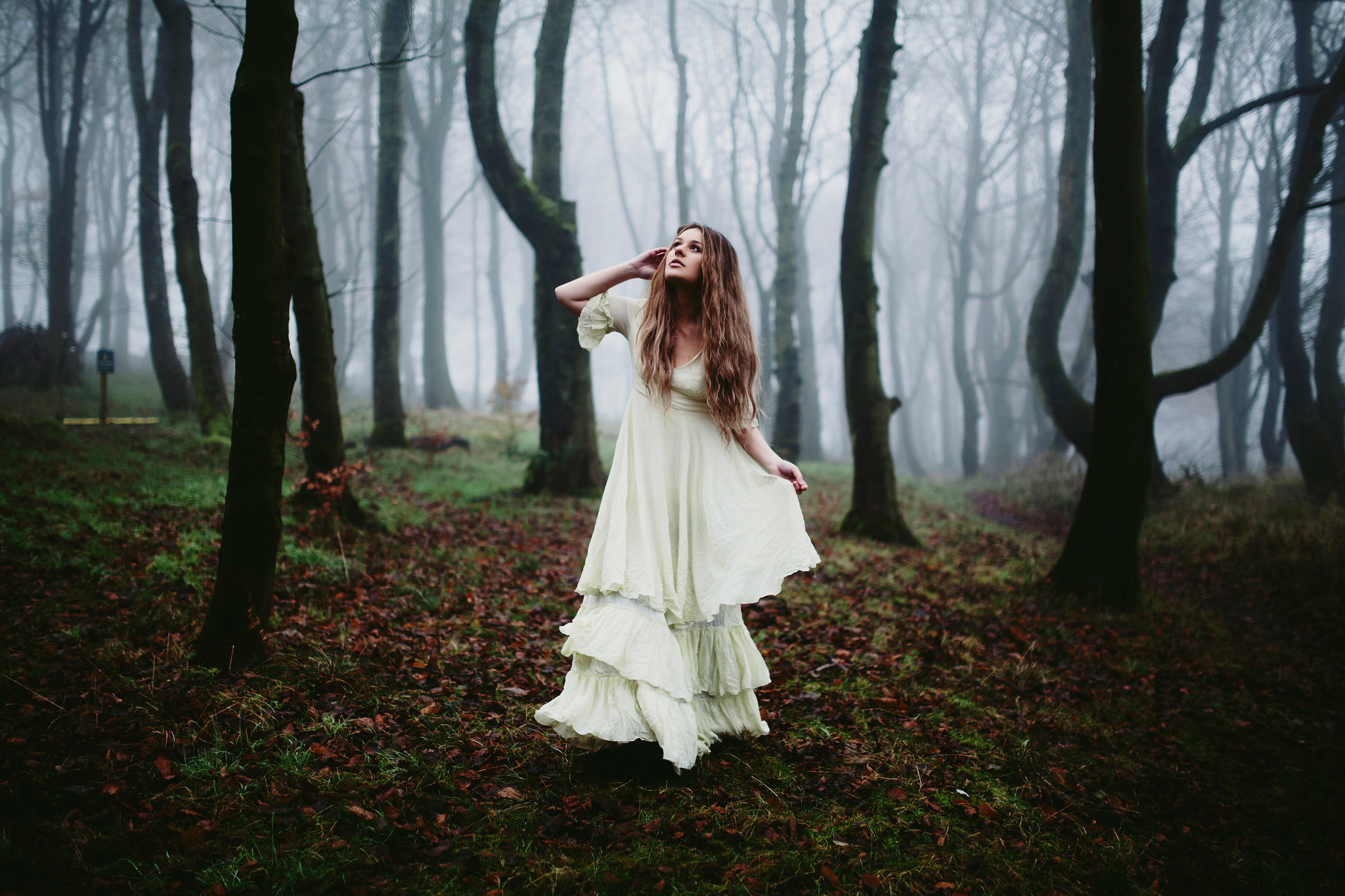 в лесу фото девушки
