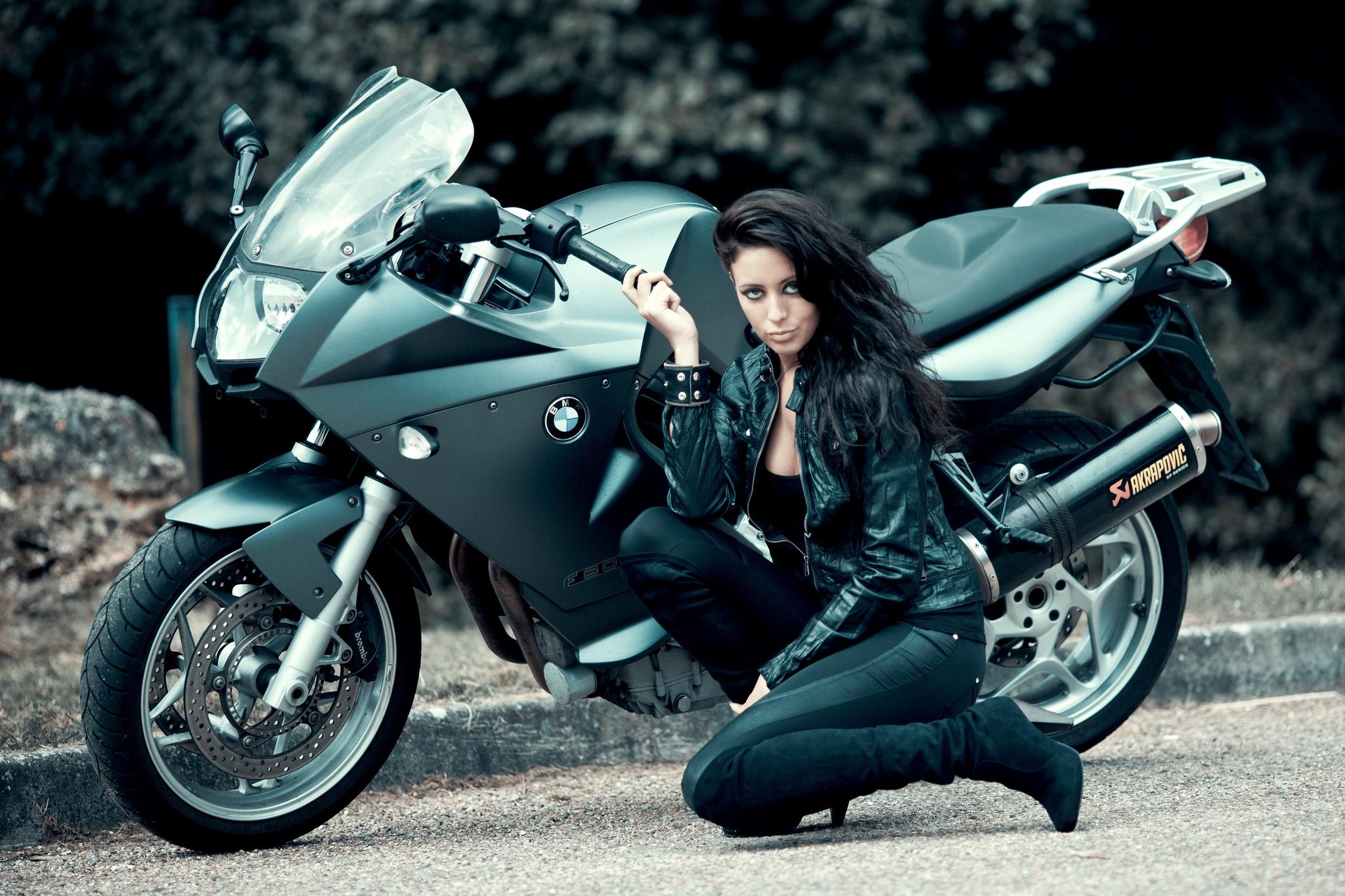Фото девушек на байках, Прекрасные девушки на шикарных мотоциклах (80 фото) 19 фотография