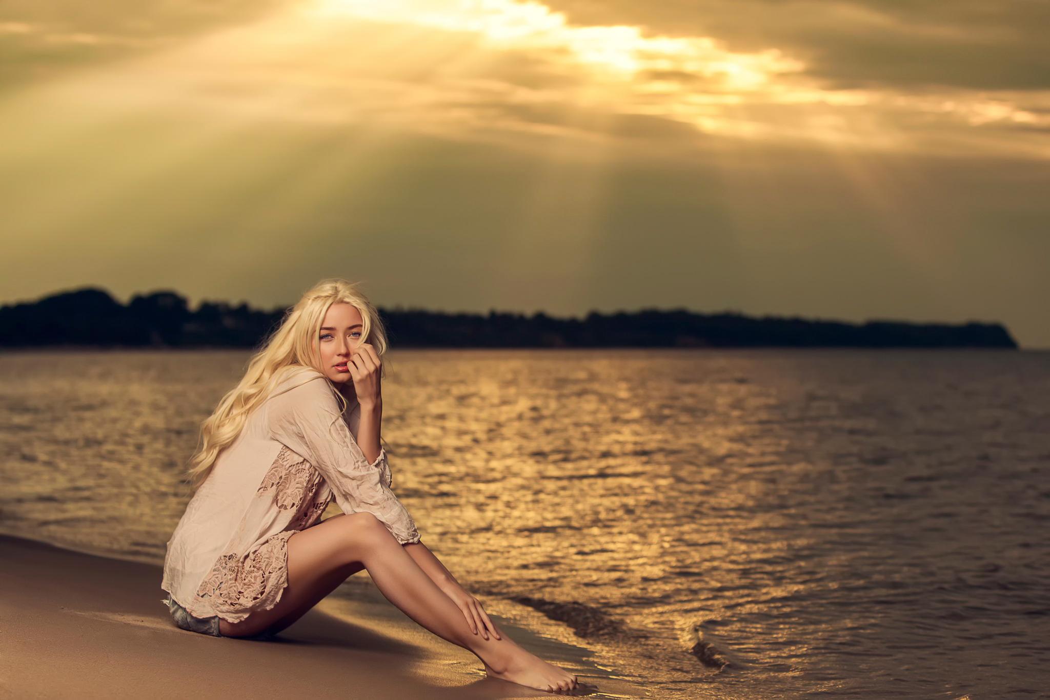 Фото девушек блондинки на закате, Блондинки: фото со спины 10 фотография