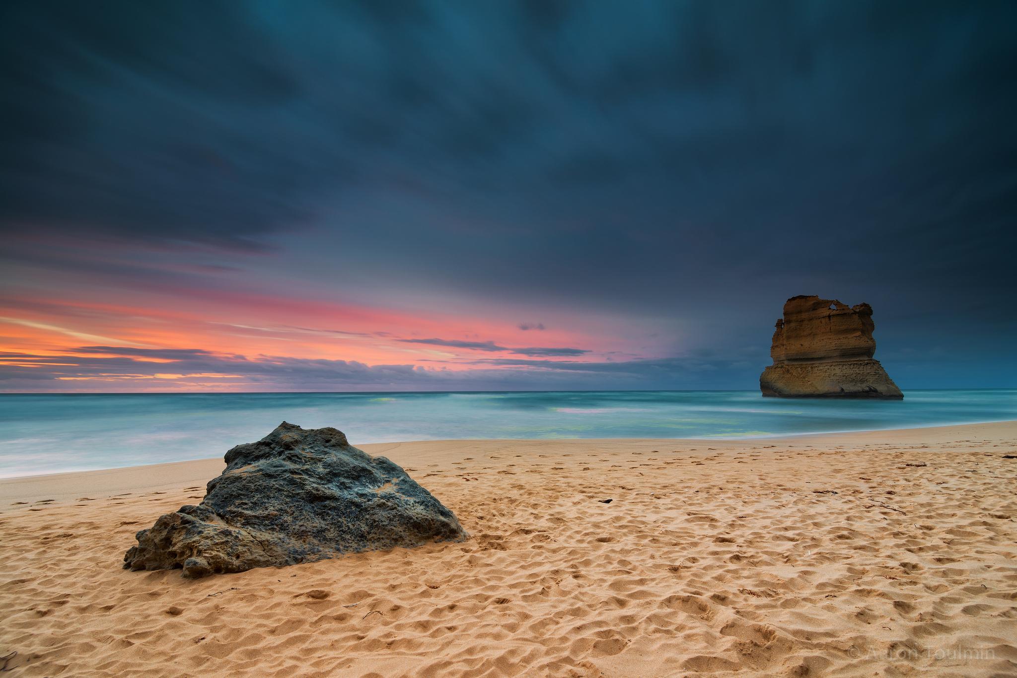 скалы берег песок  № 1185507 бесплатно