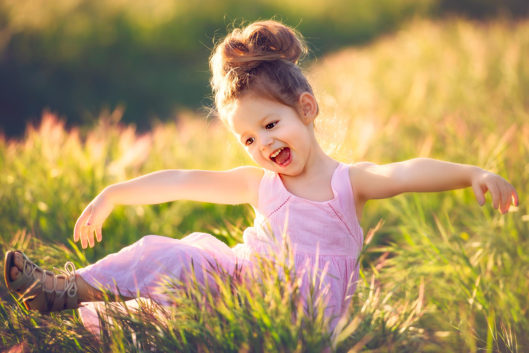 ребенок девочка  № 3563329 бесплатно