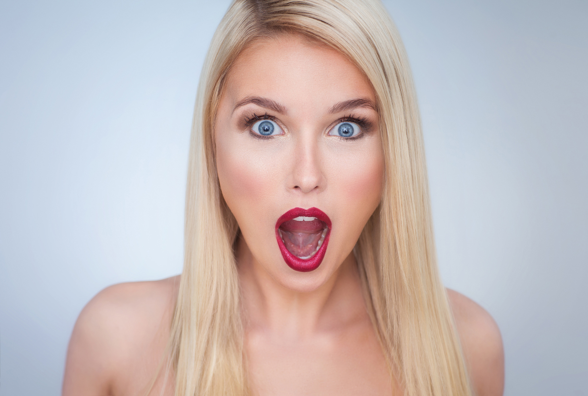 Фото лиц девушек с открытым ртом
