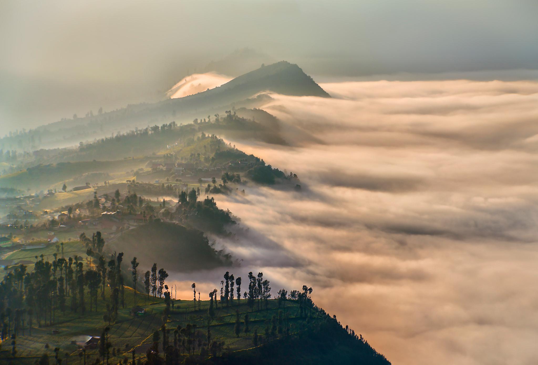 вулкан горы облака туман  № 754967 бесплатно