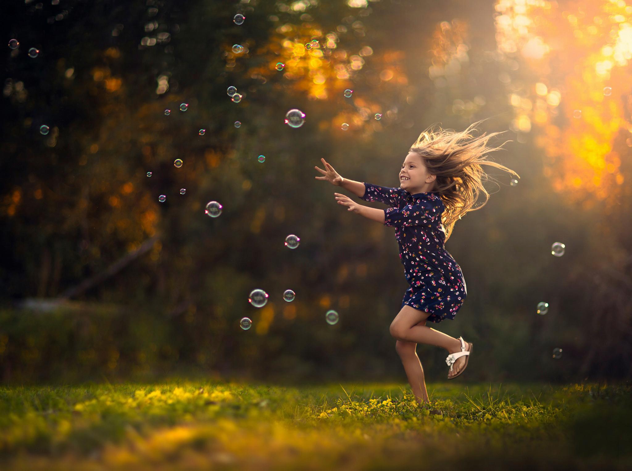 Картинки радостная девочка