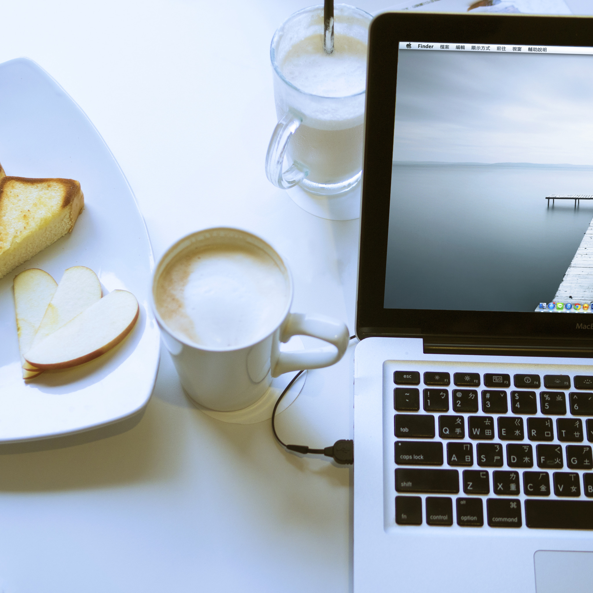 красивая картинка ноутбук и кофе картинки весна