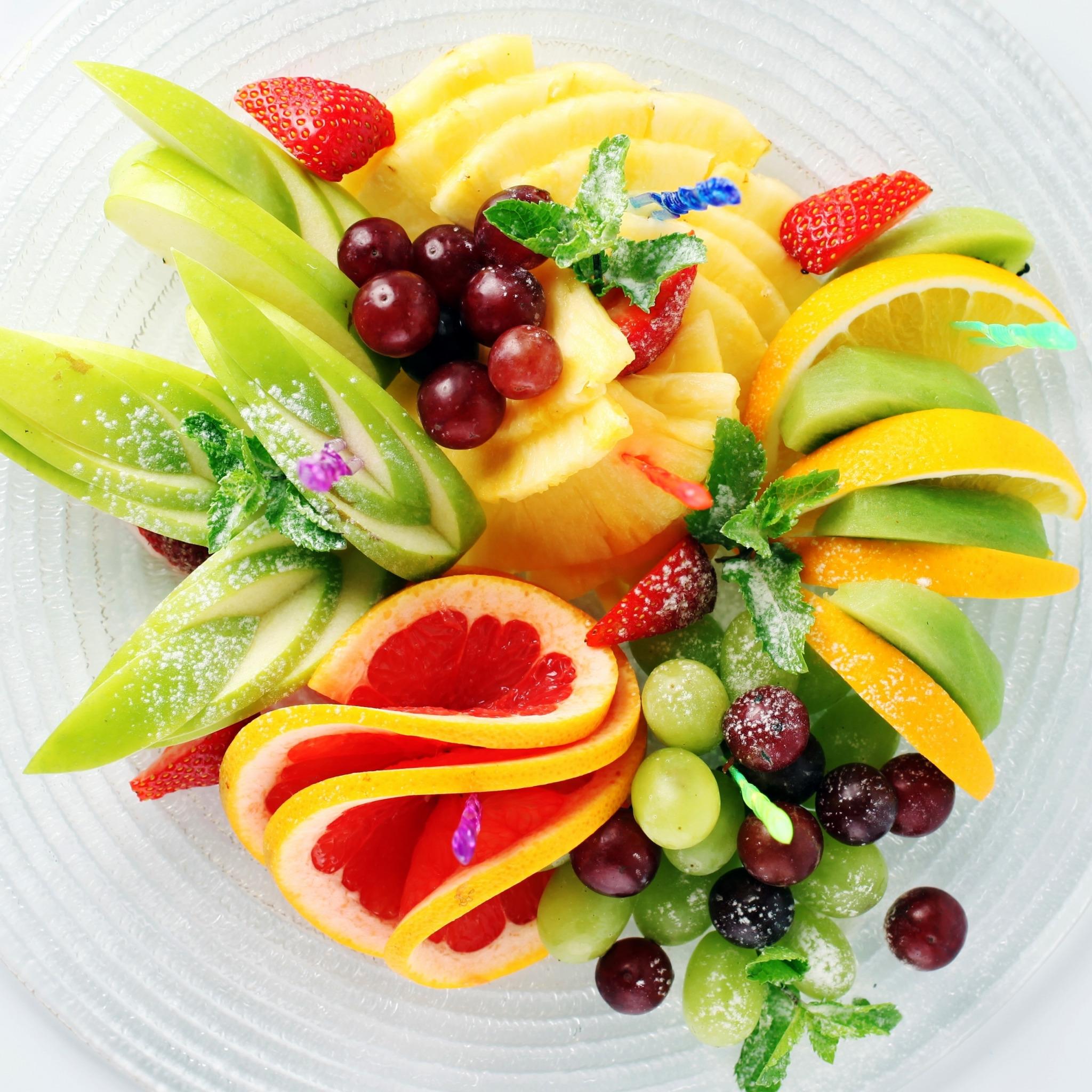 же, как красиво уложить фрукты на блюде фото наших реалиях