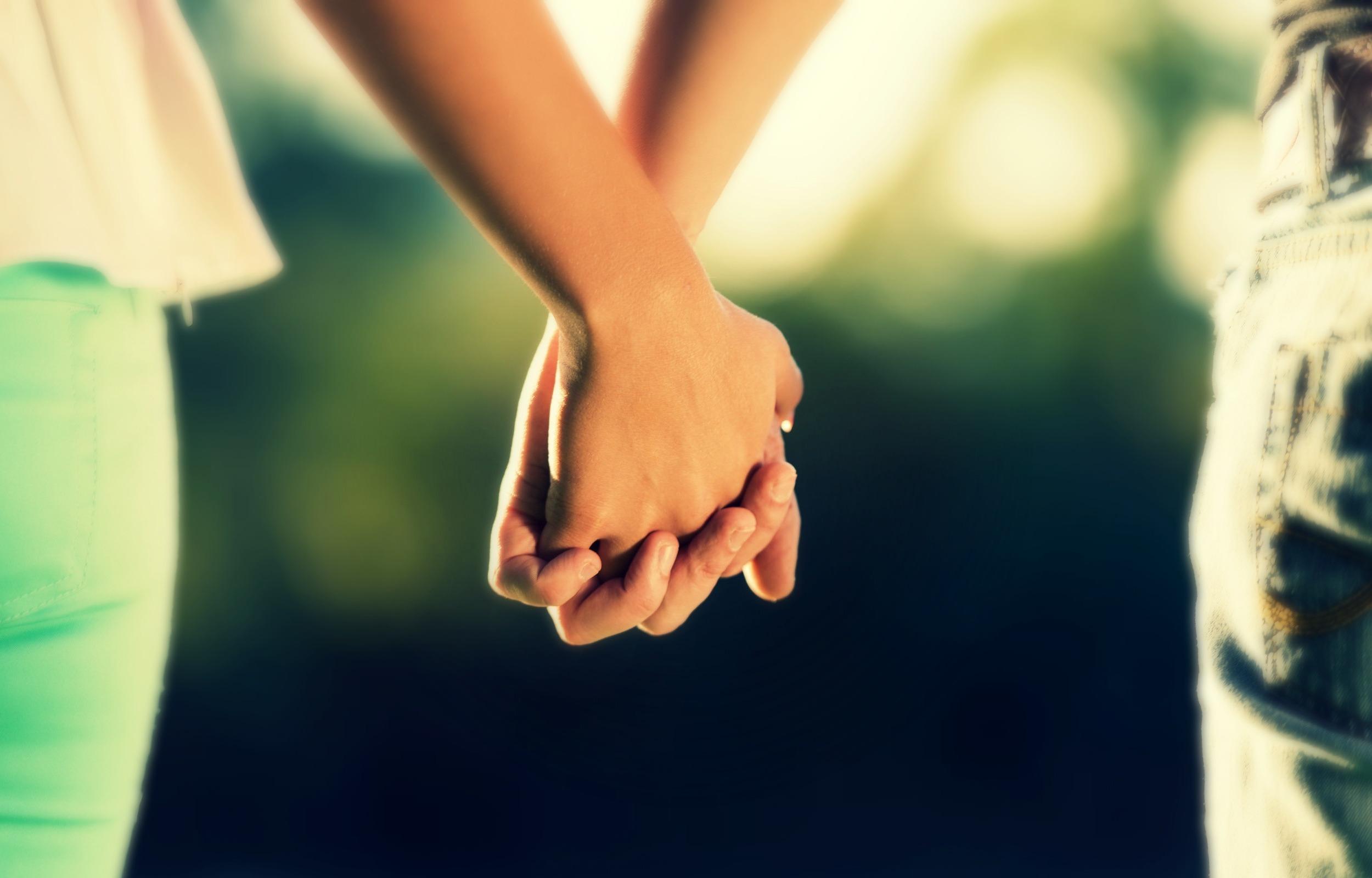 Красивые картинки держащихся за руки
