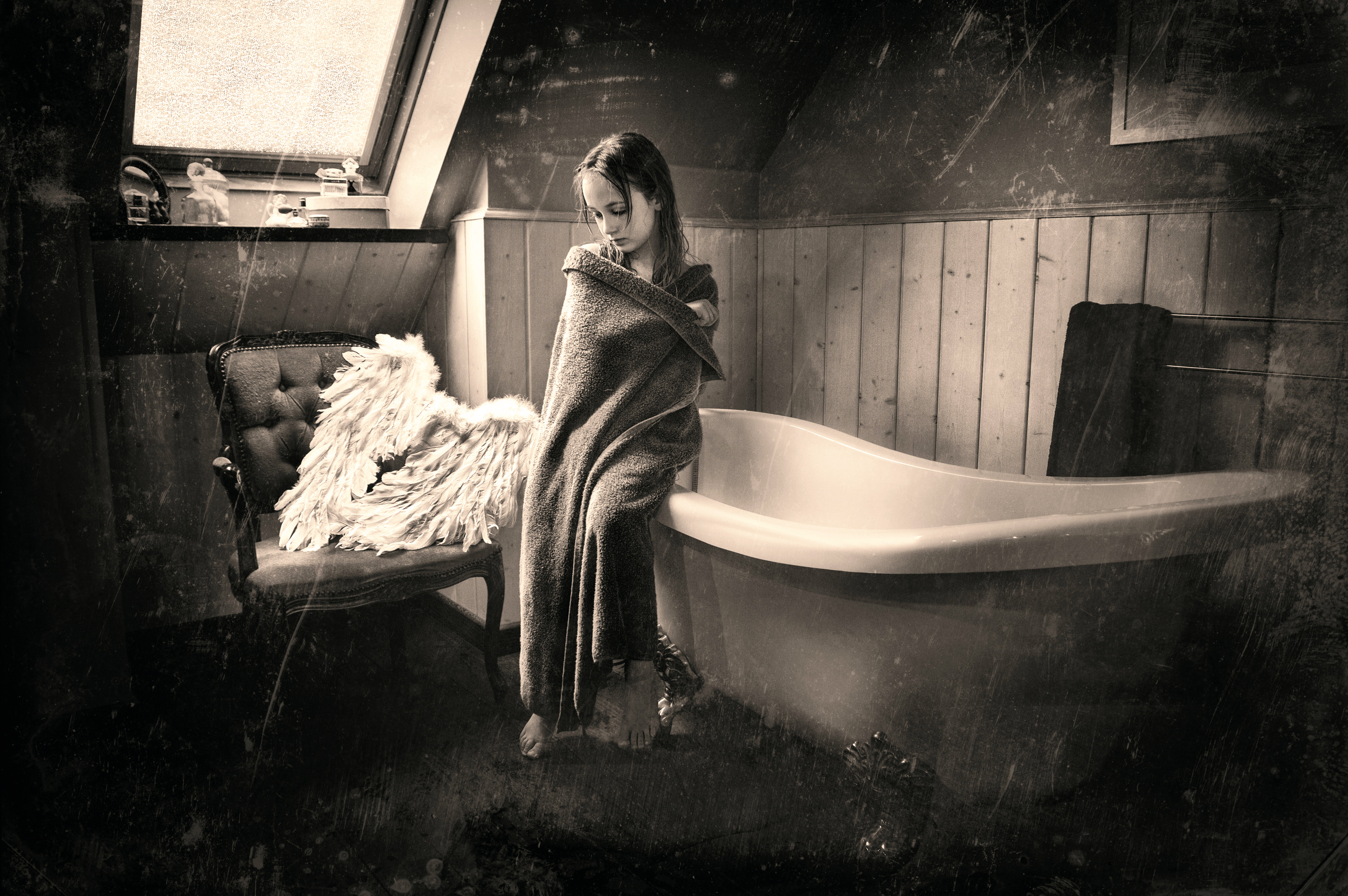 video-vintage-girl-bathroom-naked-women-water-polo