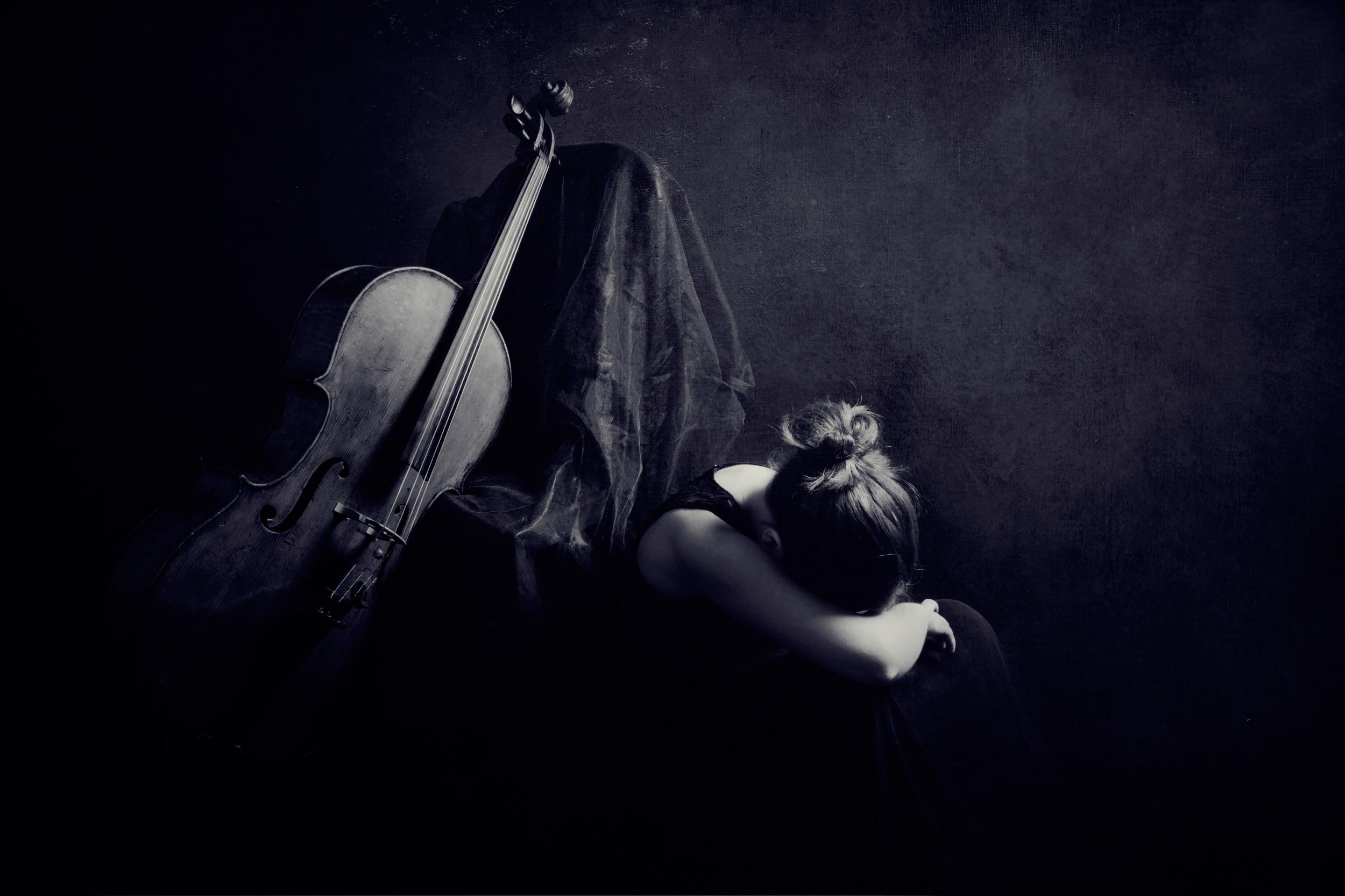 Девушка со скрипкой абстракция  № 2052336 бесплатно