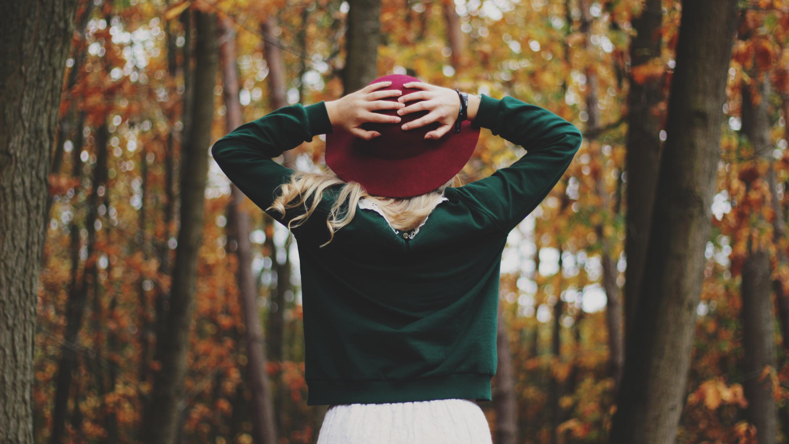 Фото на аву девушкам осенью