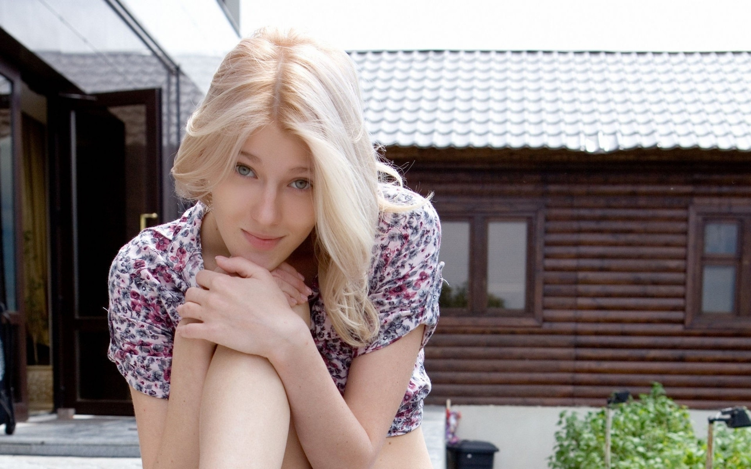 Смотреть фото молодых красивых девочек в домашнем, Откровенные снимки молодых русских девушек 11 фотография