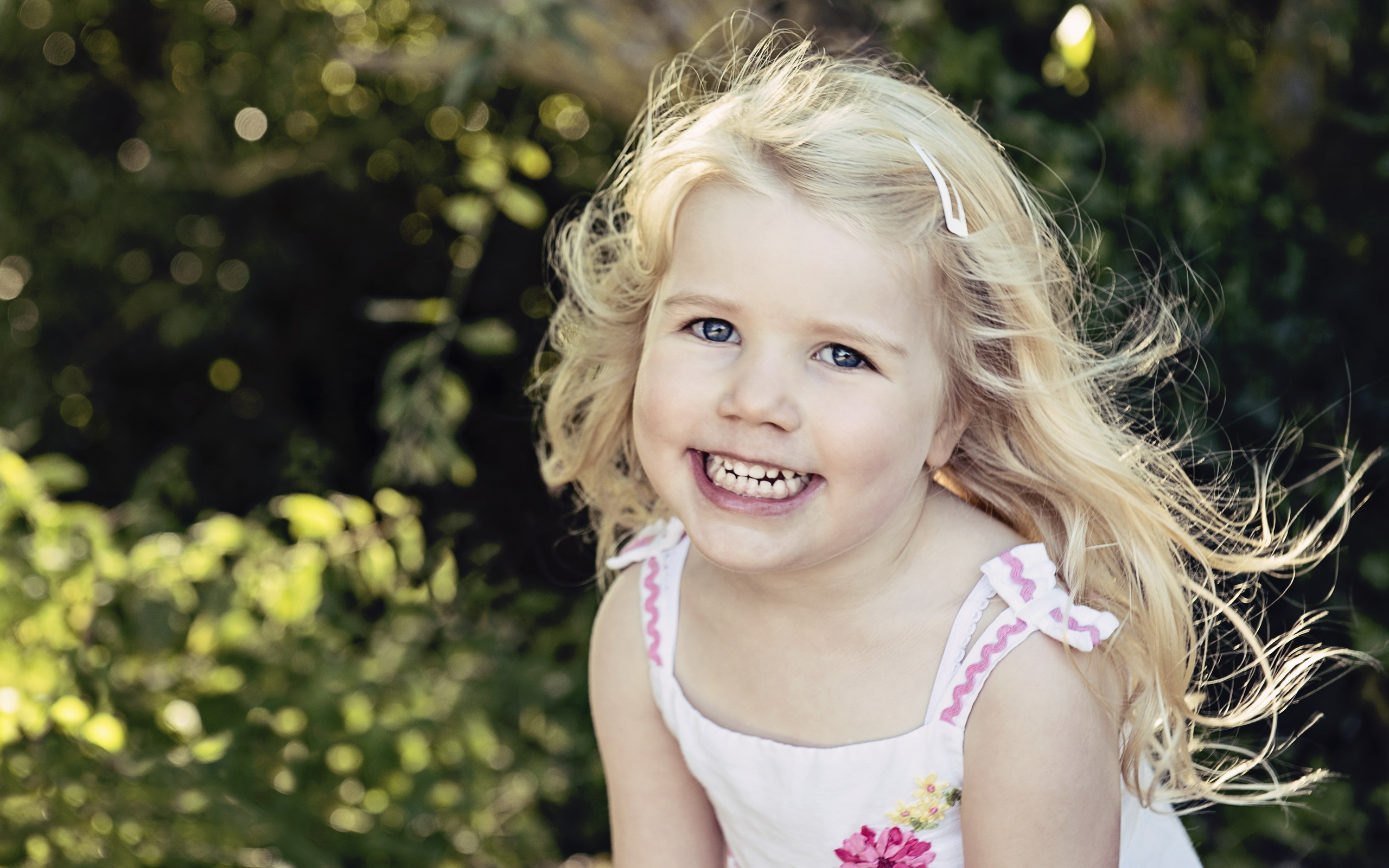 happy little girl - HD1280×800