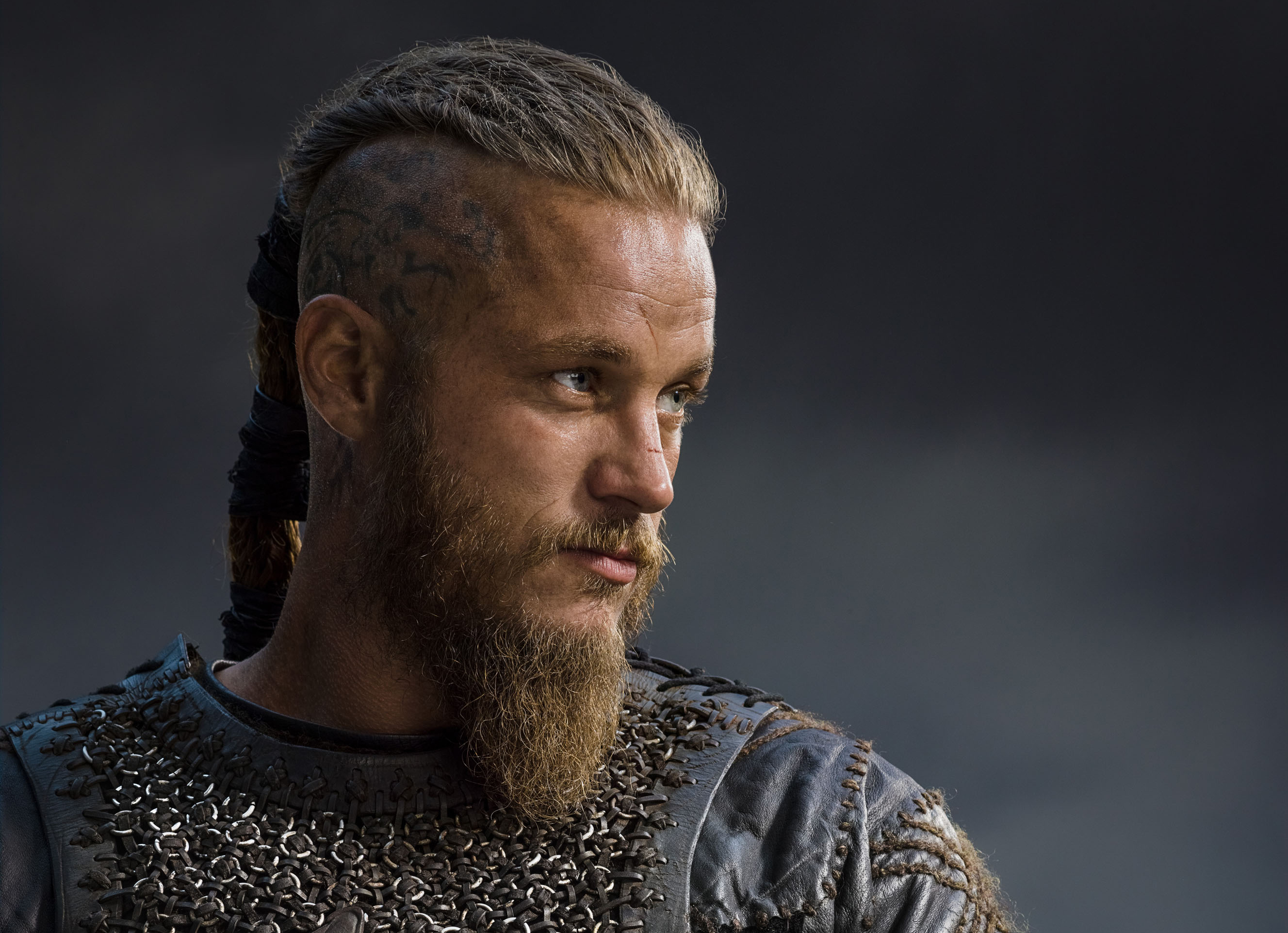 being-travis-fimmel-shaved-sex