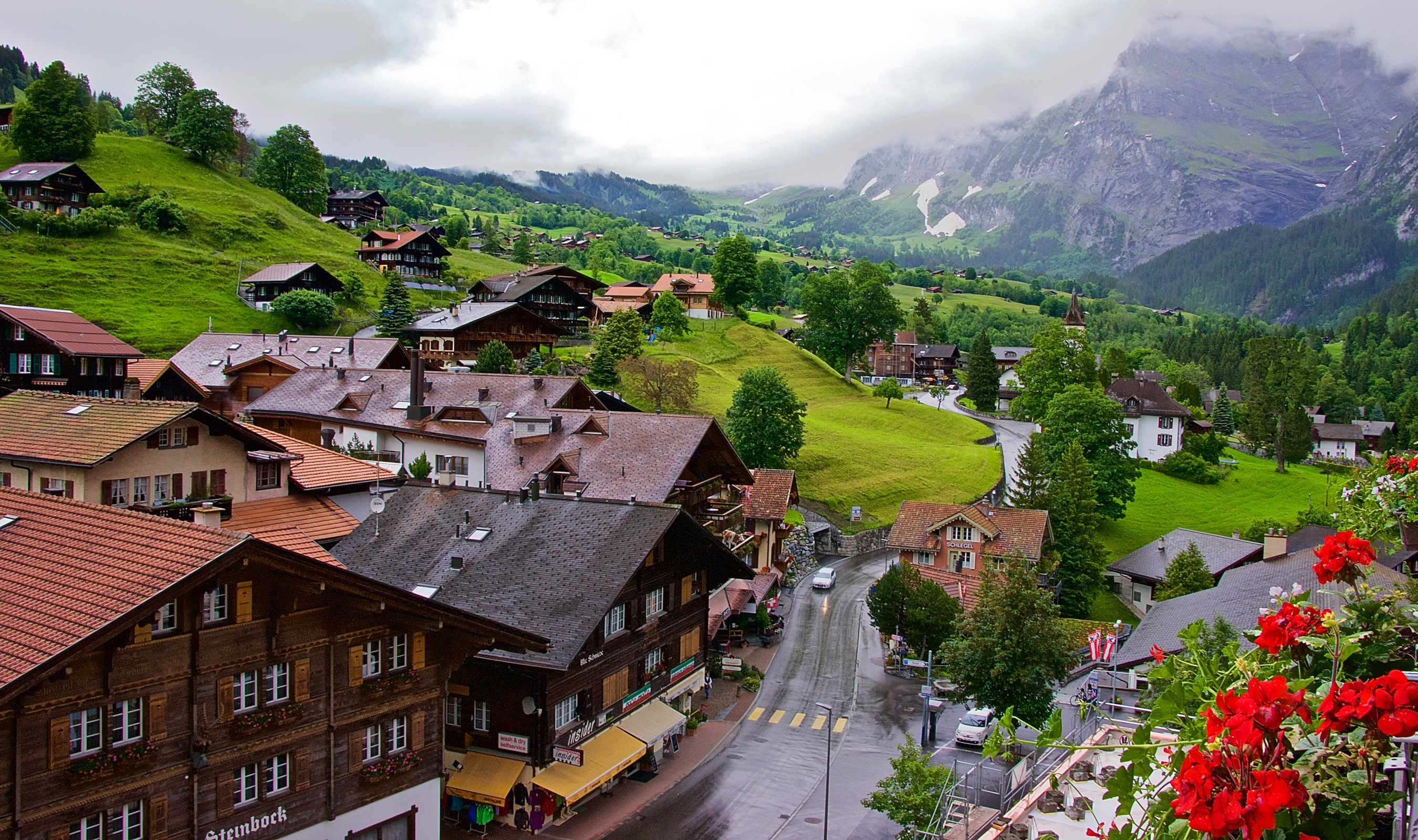 Grindelwald was first mentioned in 1146 as Grindelwalt The oldest traces of a settlement in the area are scattered neolithic tools which have been discovered around
