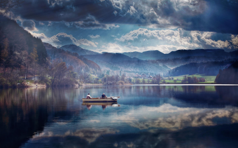 На лодке в горном озере  № 3062436  скачать