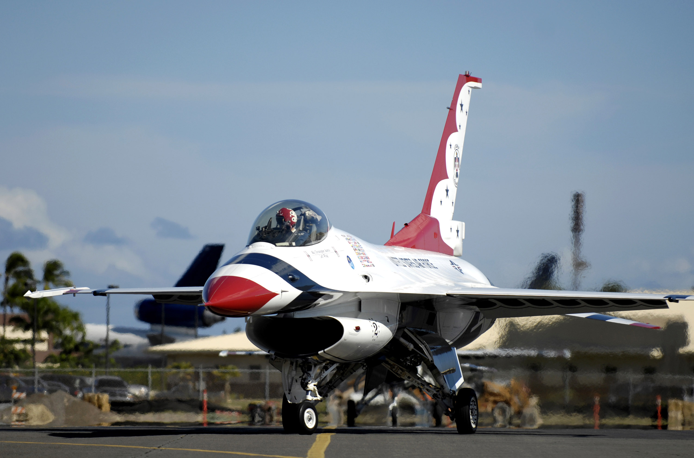 авиация самолет желтый F-16 Fighting Falcon  № 3755625 загрузить