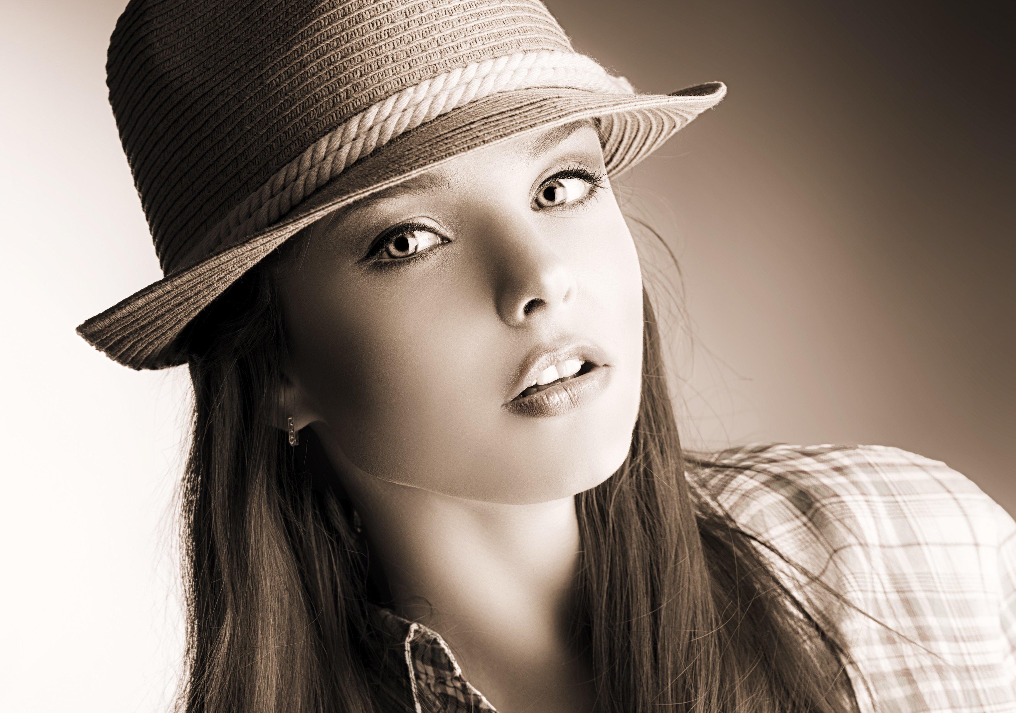 Картинки красивых женщин в шляпках