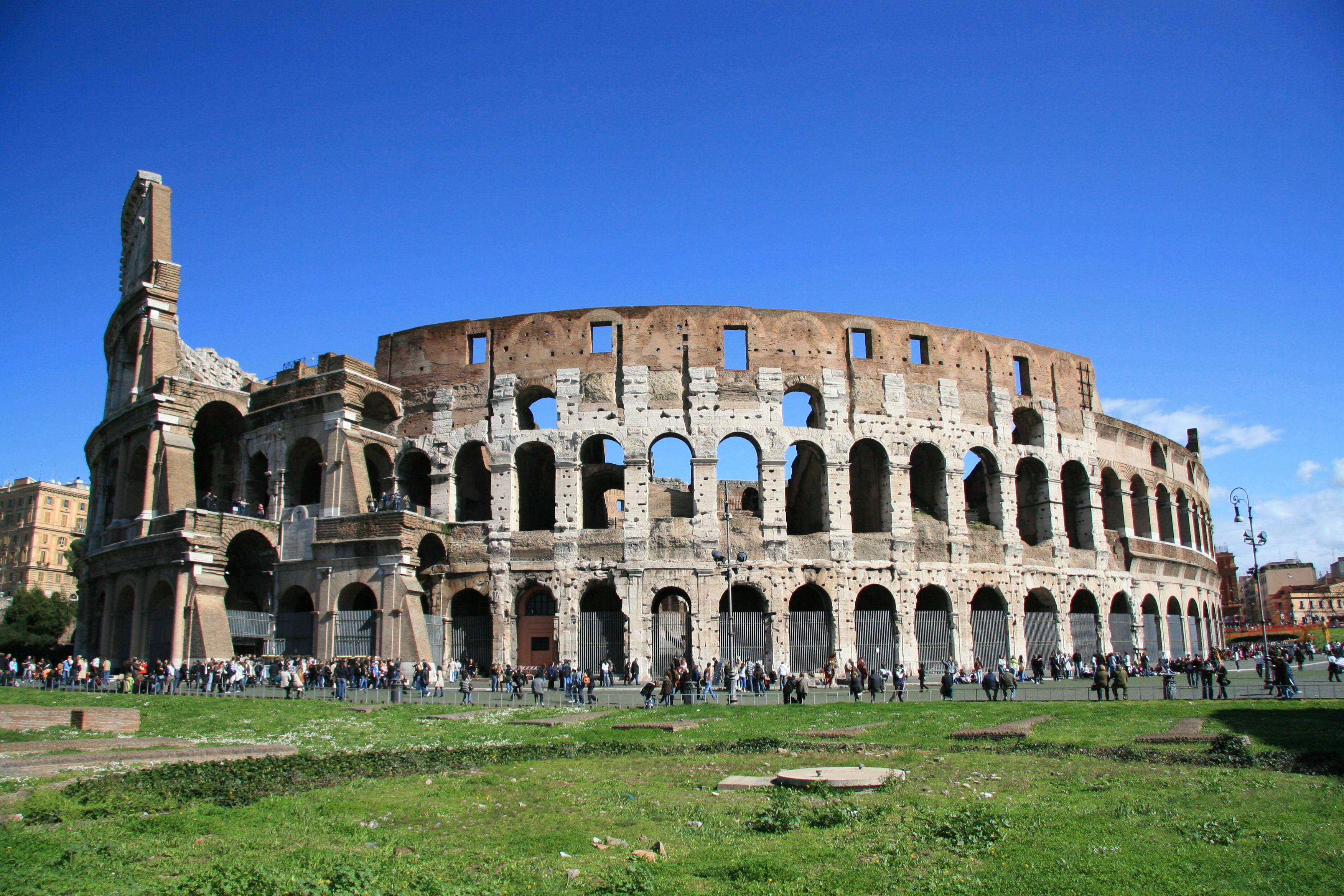 the roman coliseum How can the answer be improved.
