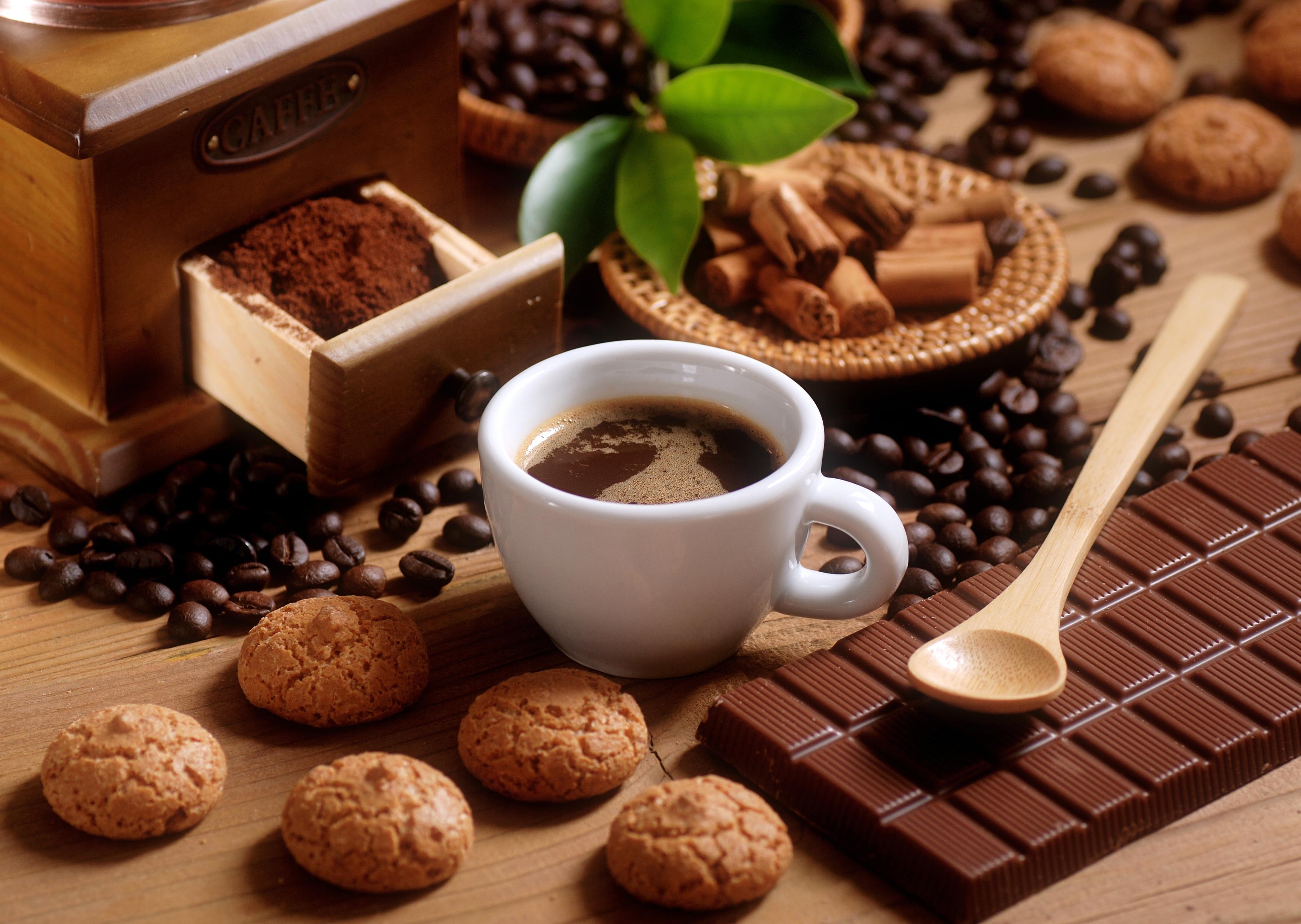 kofe-pechene-shokolad-molochnyy.jpg