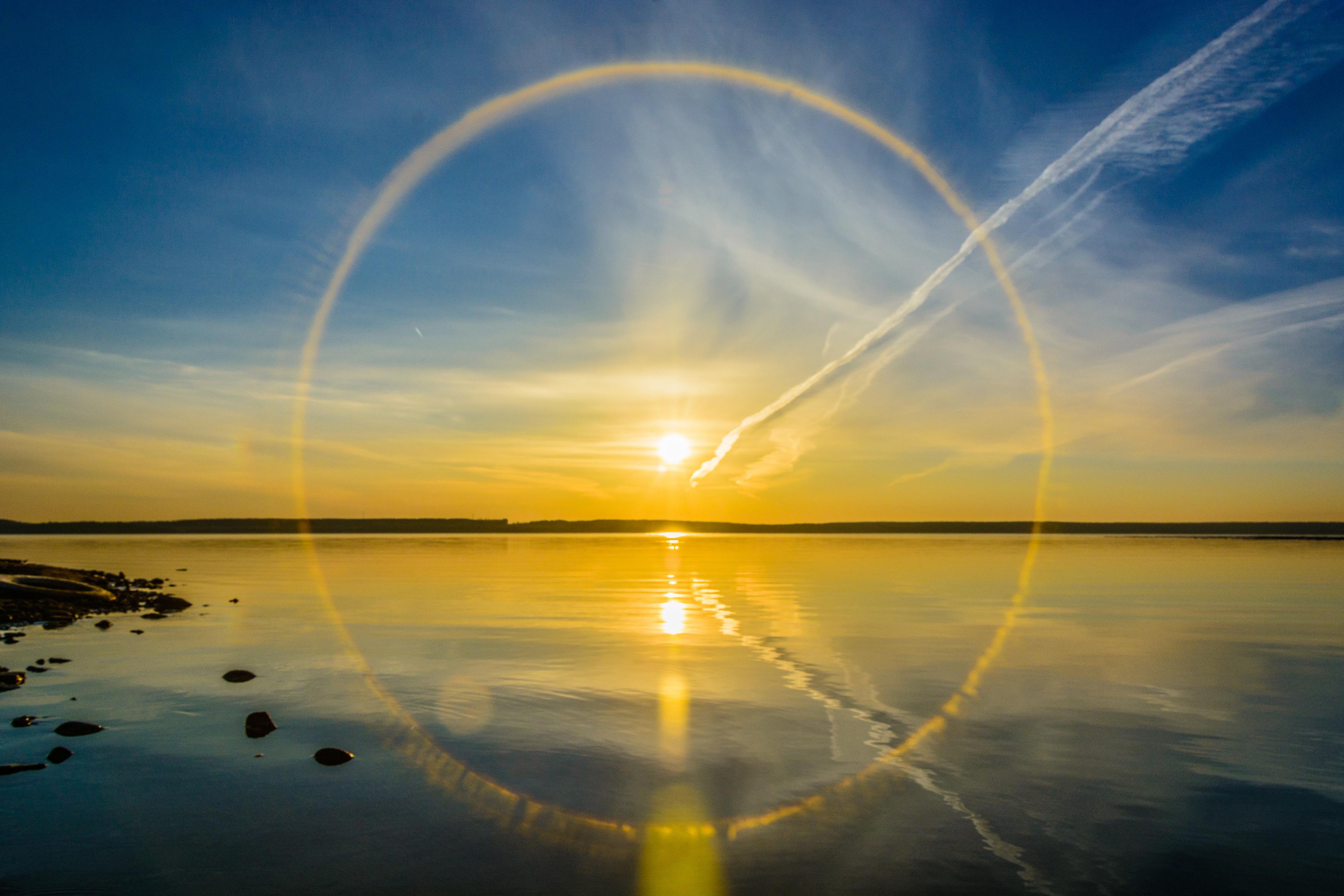 природа горизонт солнце озеро облака отражение  № 623550 без смс
