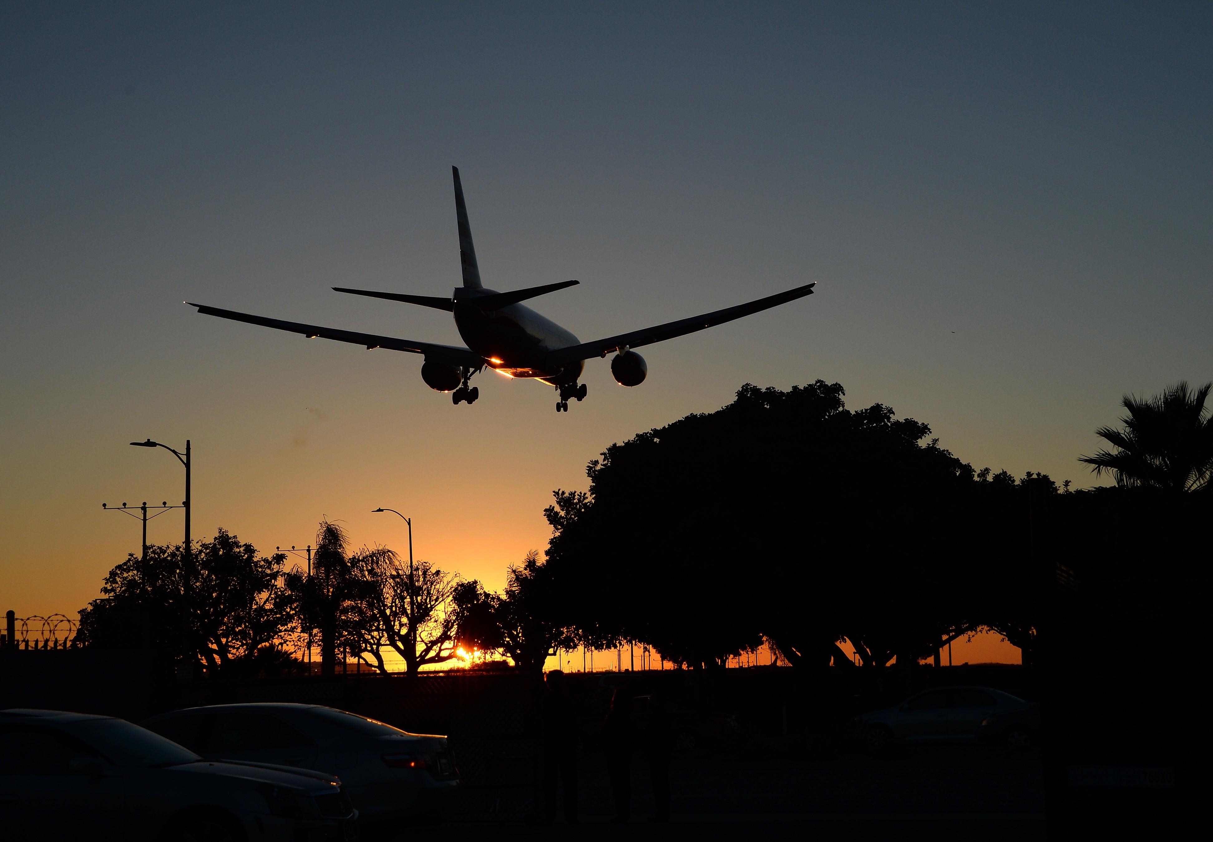 володина фото самолетов в ночном небе обязательно