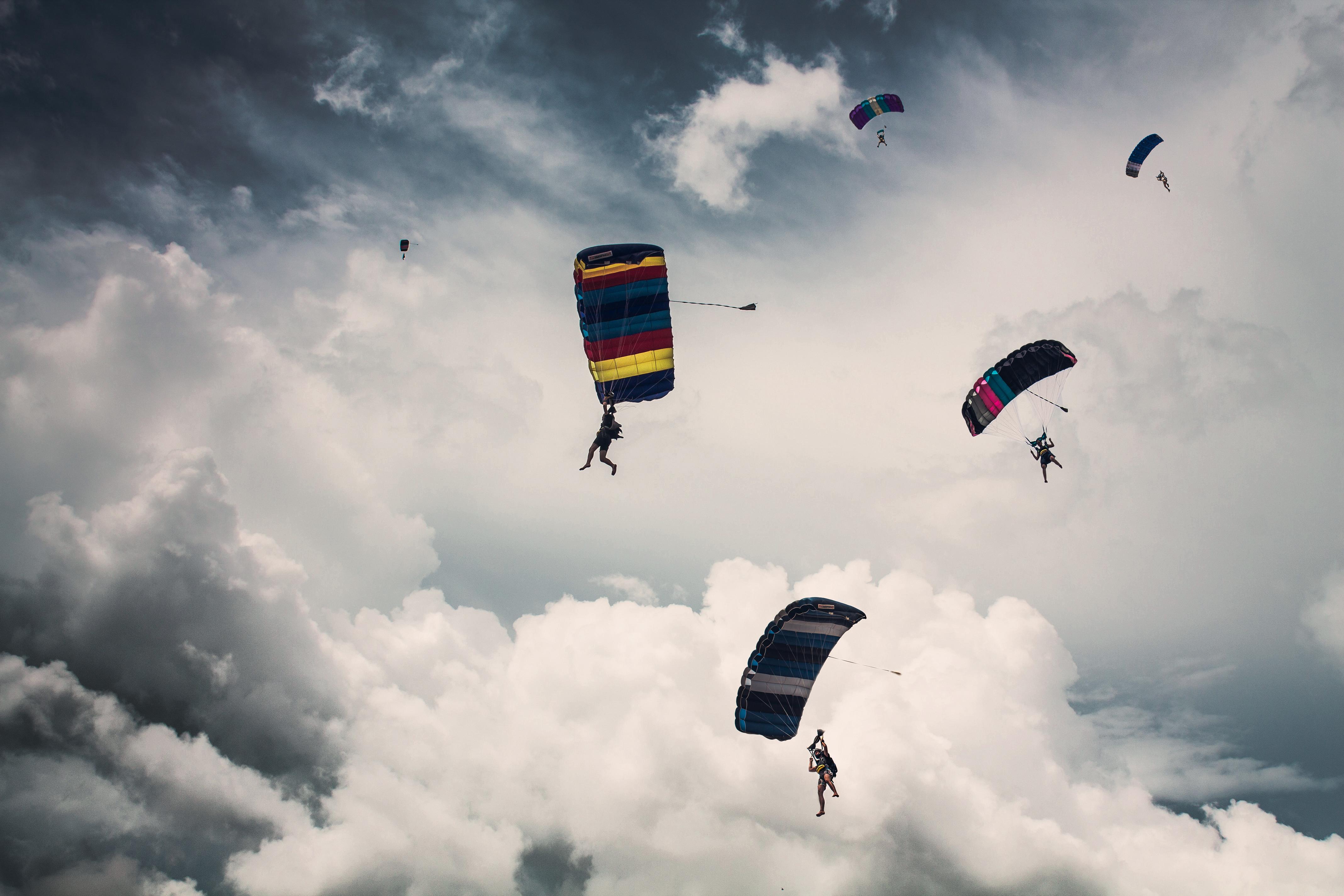 вижу парашютисты картинки красивые день