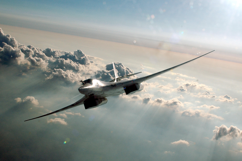 Дозаправка бомбардировщика  № 2370582 бесплатно