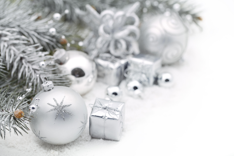 Картинка с новым годом белая