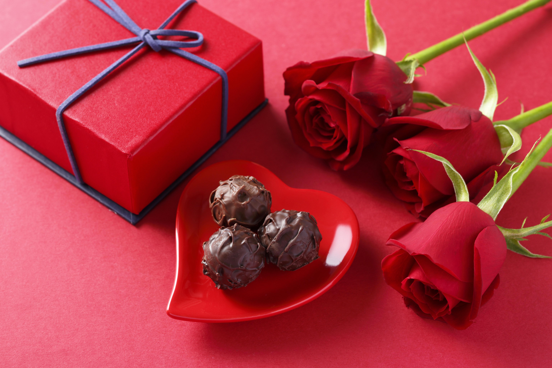 Хочу подарить девушке цветы или конфеты, букеты каталог