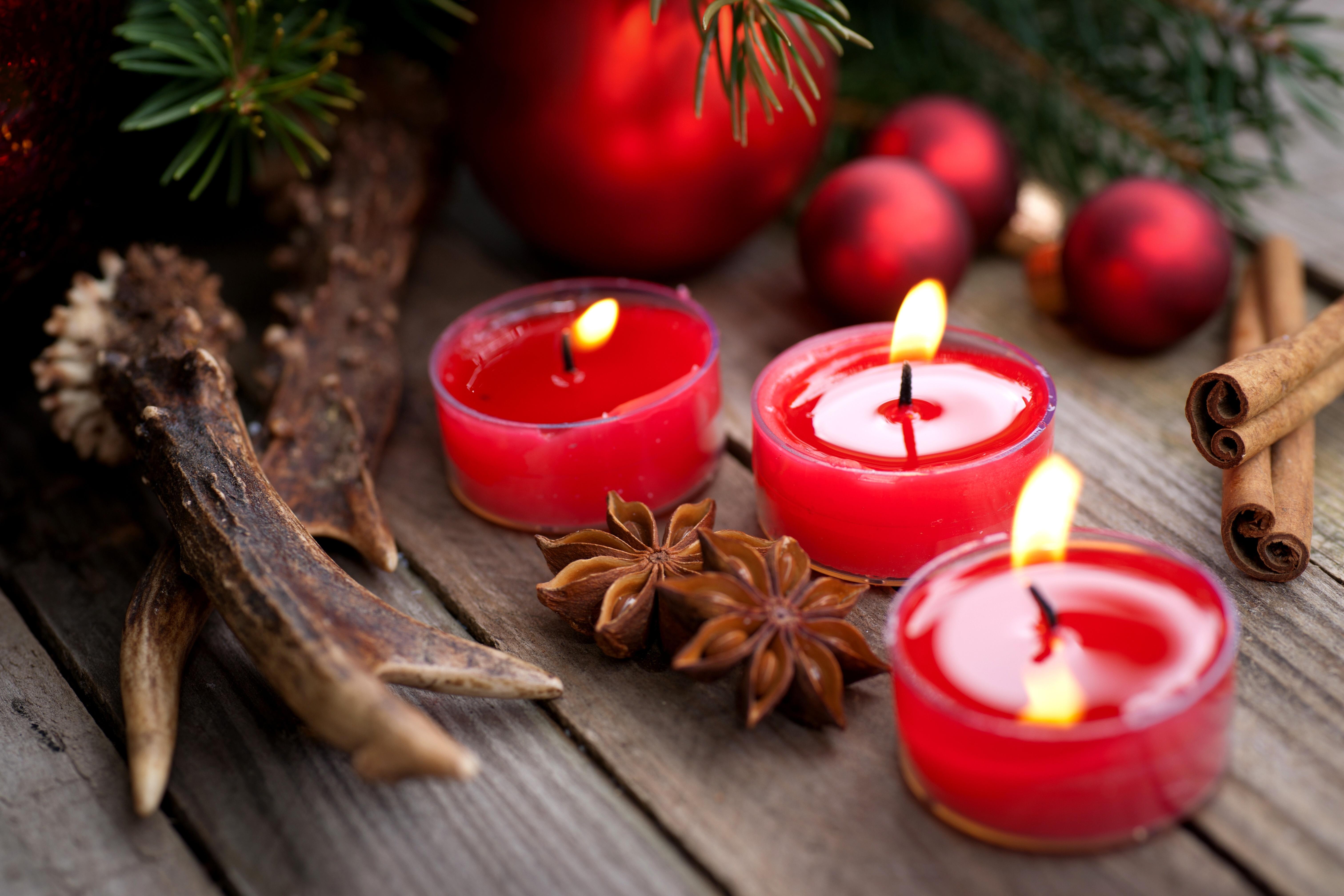 этот пост картинки красные свечи и новый год хвост постоянно опущен