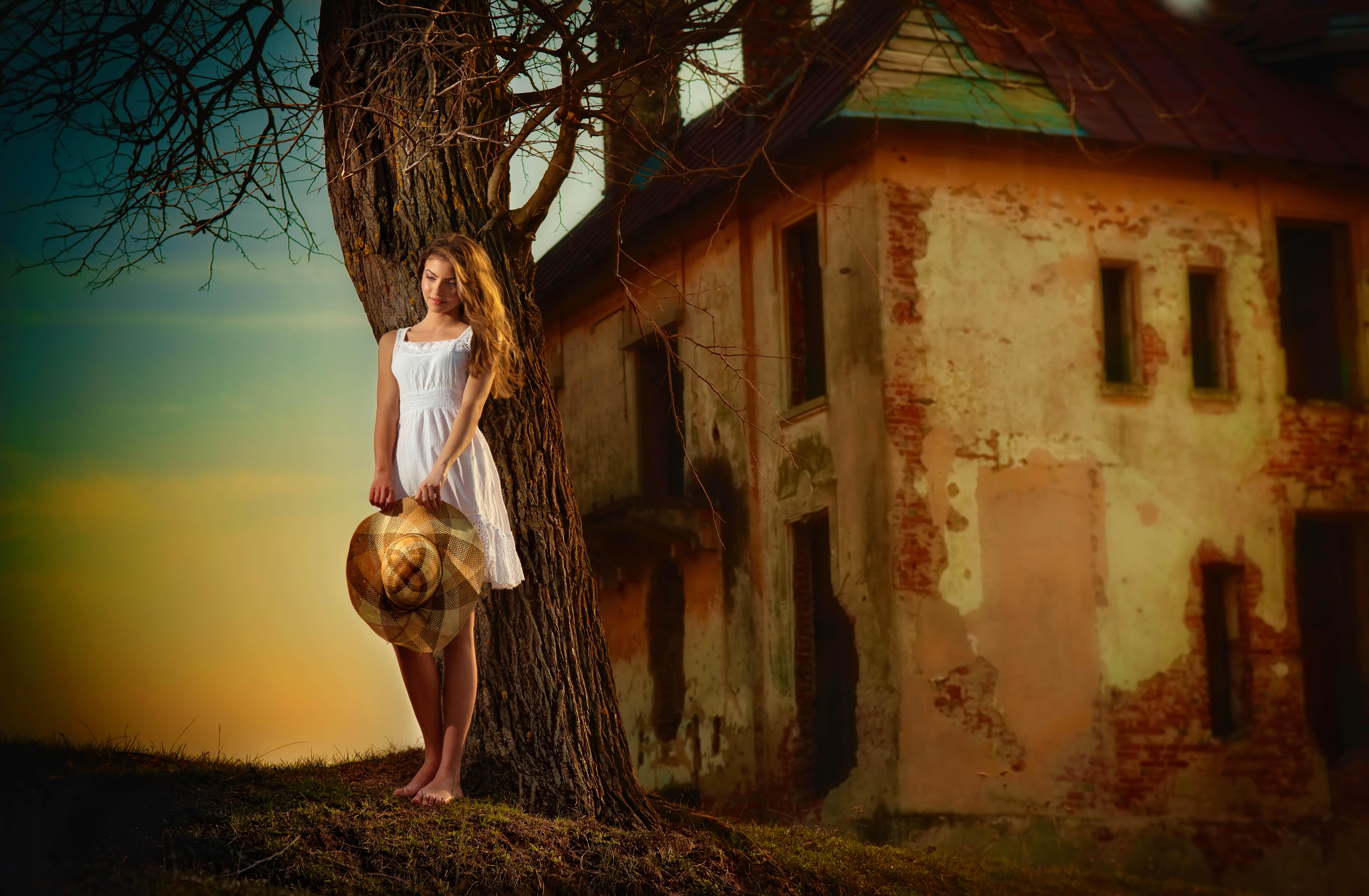 женщина так девушки мечтающие о селе поленьями